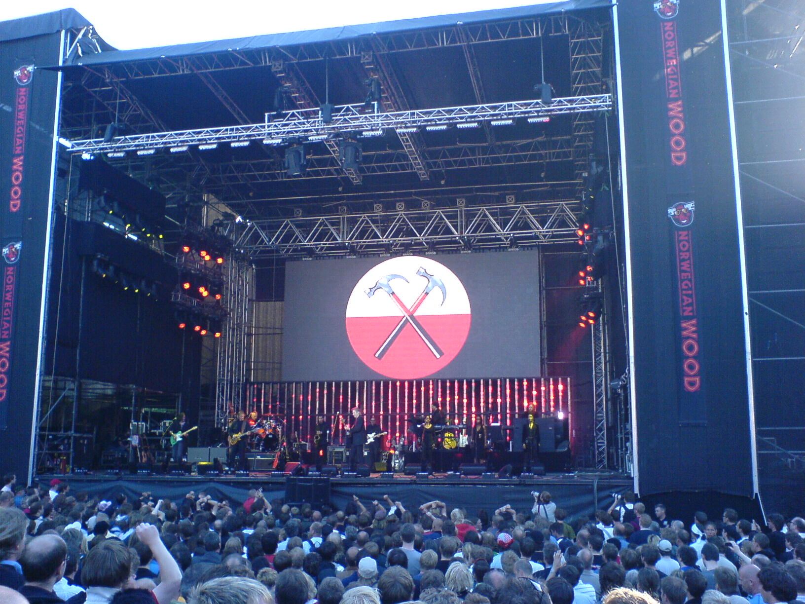 Roger+waters+in+the+flesh