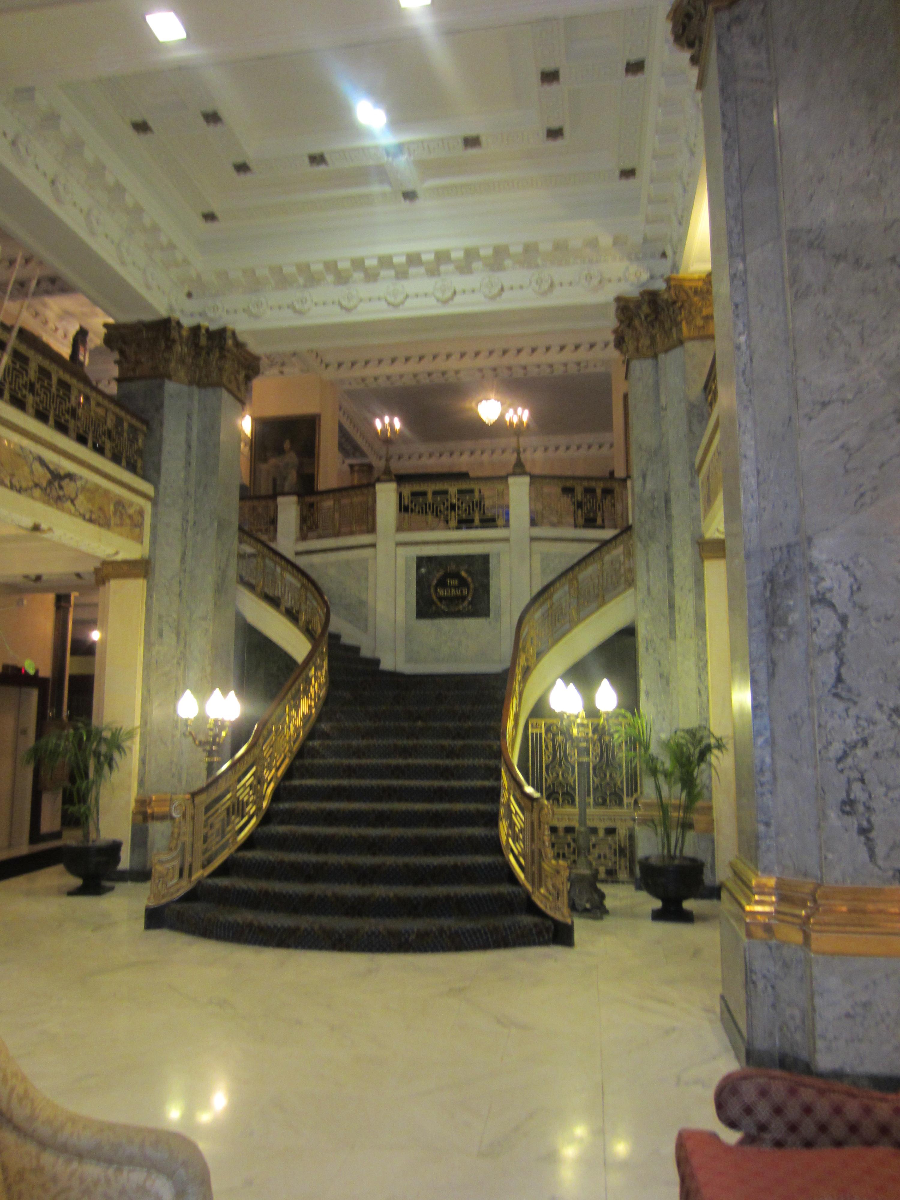 File seelbach hotel main lobby stairs jpg wikimedia commons