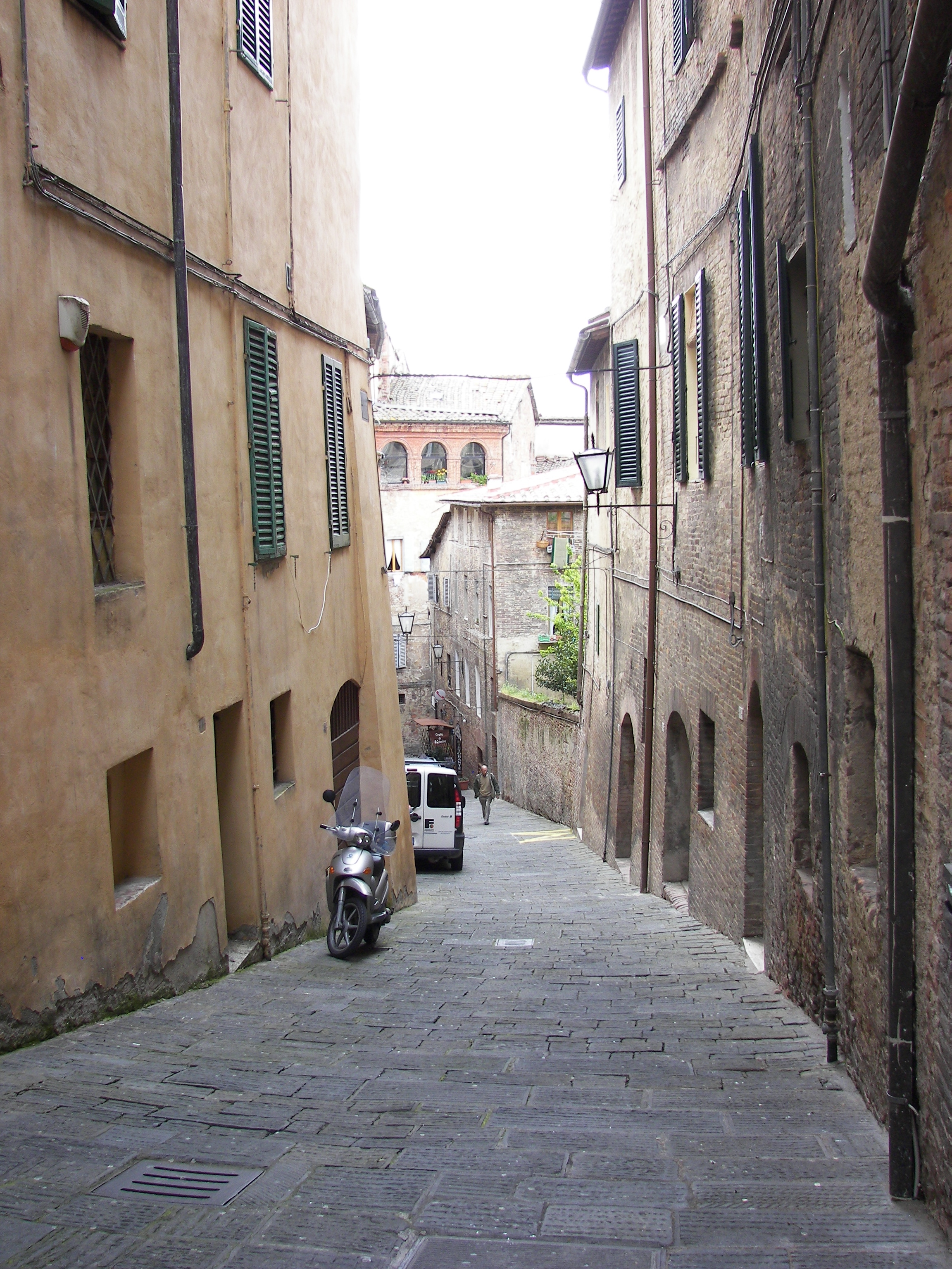 File:Siena streets 10 jpg - Wikimedia Commons