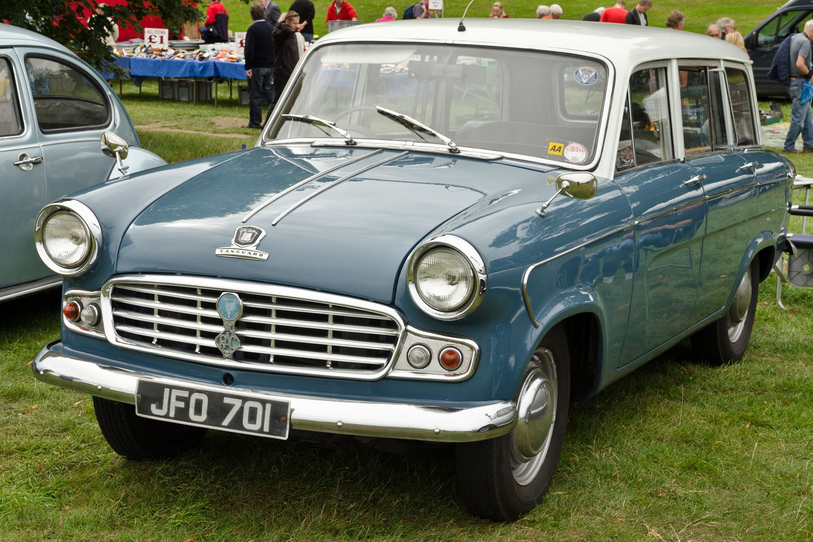 File:Standard Vanguard Estate (1961) - 10275798725.jpg - Wikimedia ...