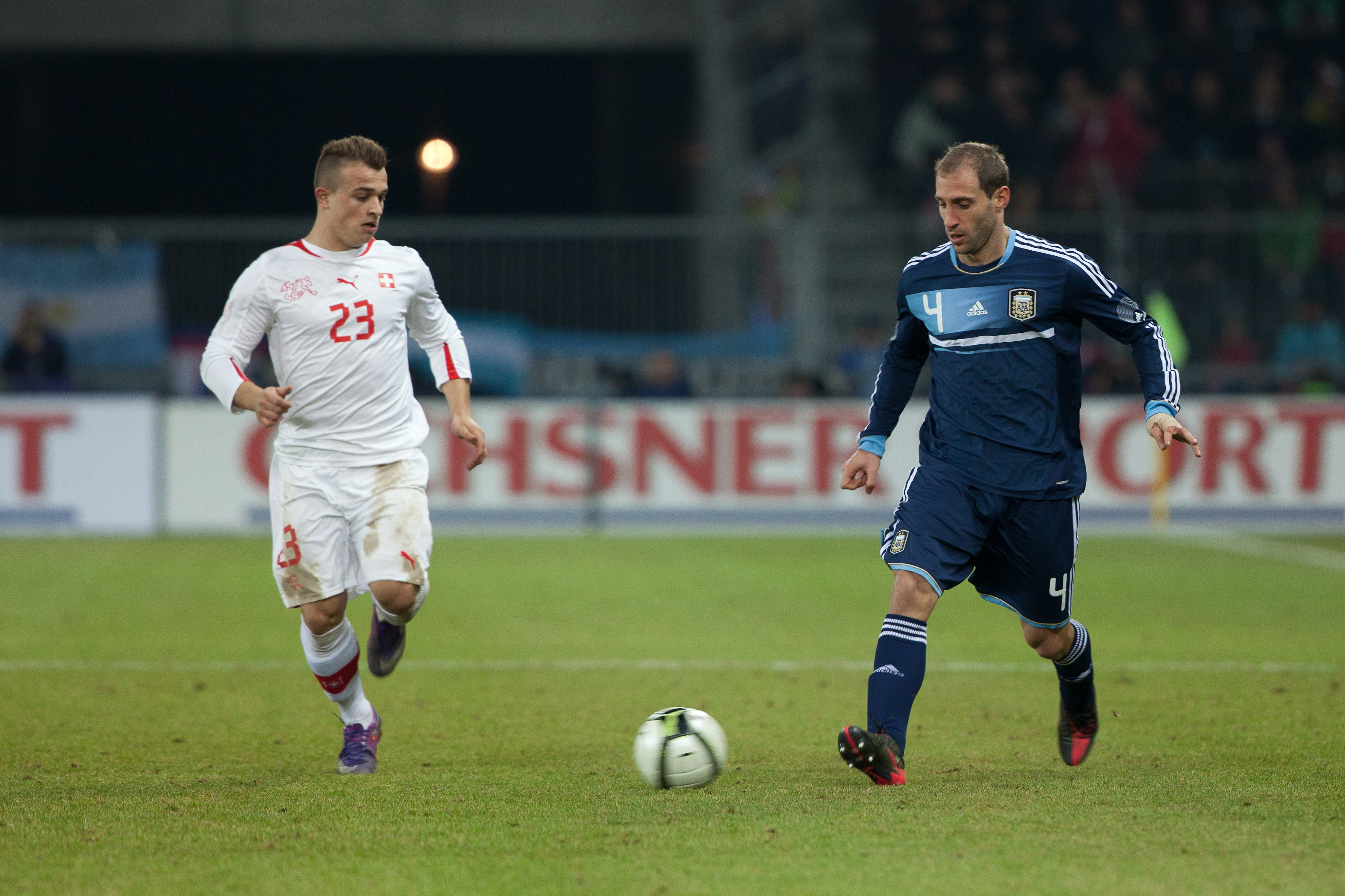 File Suisse vs Argentine Xherdan Shaqiri & Pablo Zabaleta