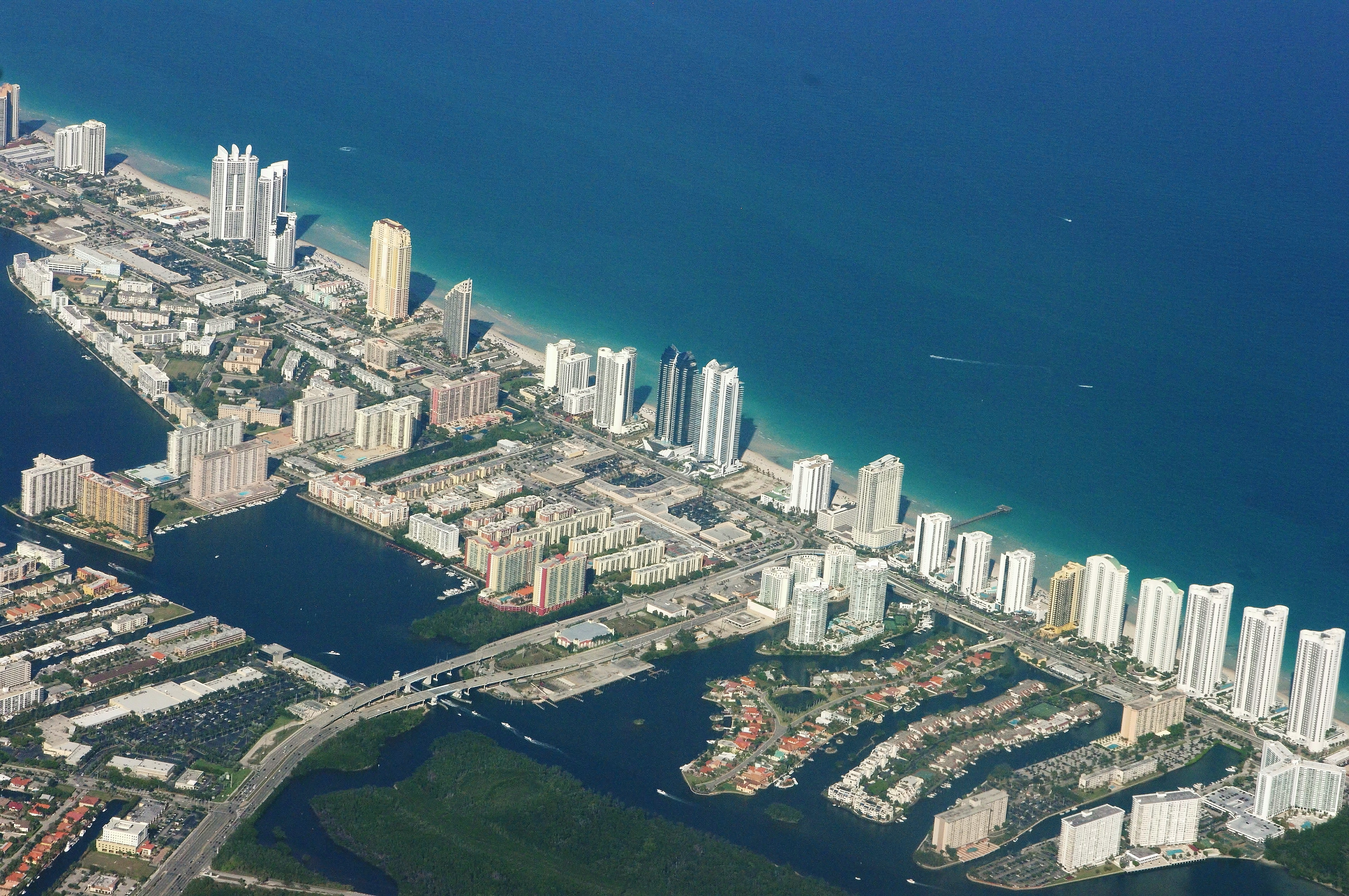 File Sunny Isles Beach From Above Jpg Wikimedia Commons