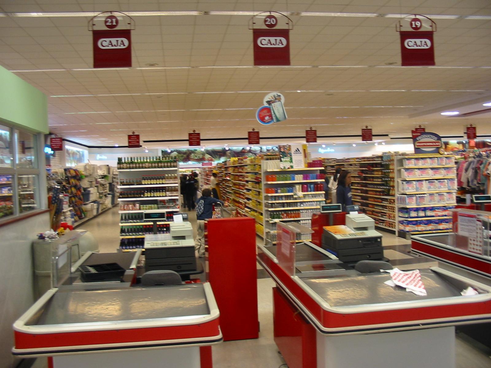 Resultado de imagen de fotos cajeros supermercado