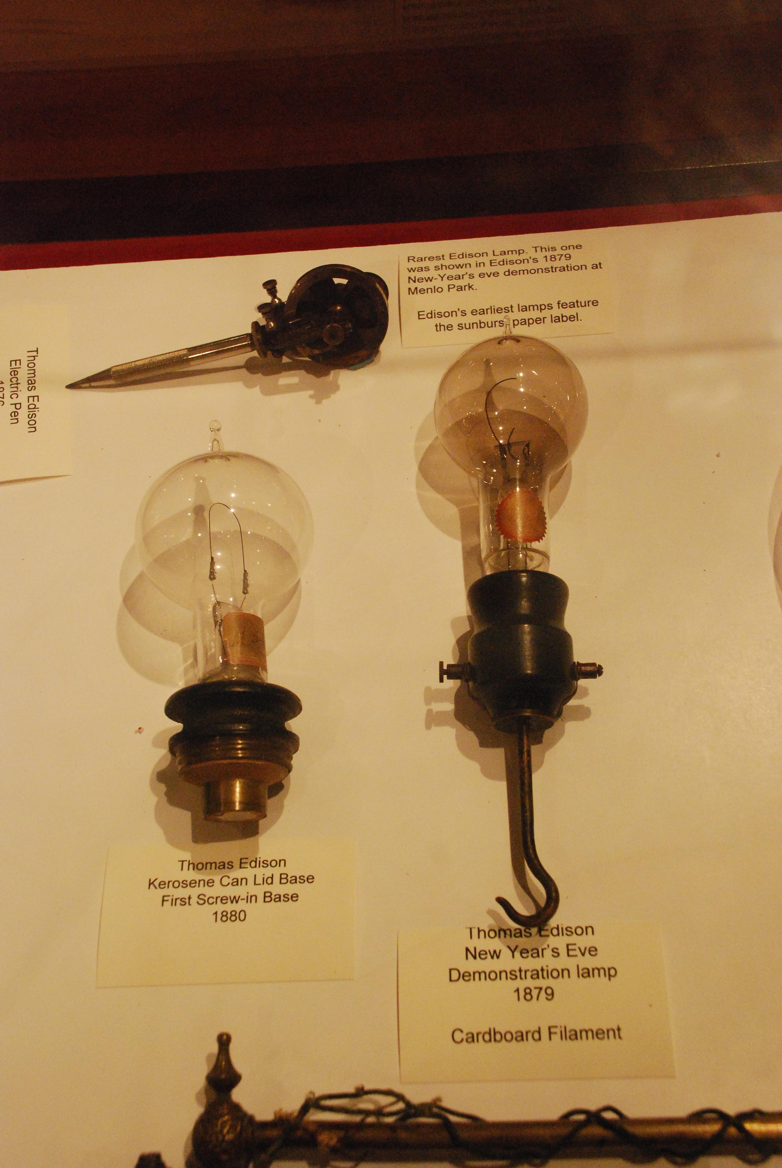 file thomas edison lightbulbs 1879 wikimedia commons. Black Bedroom Furniture Sets. Home Design Ideas