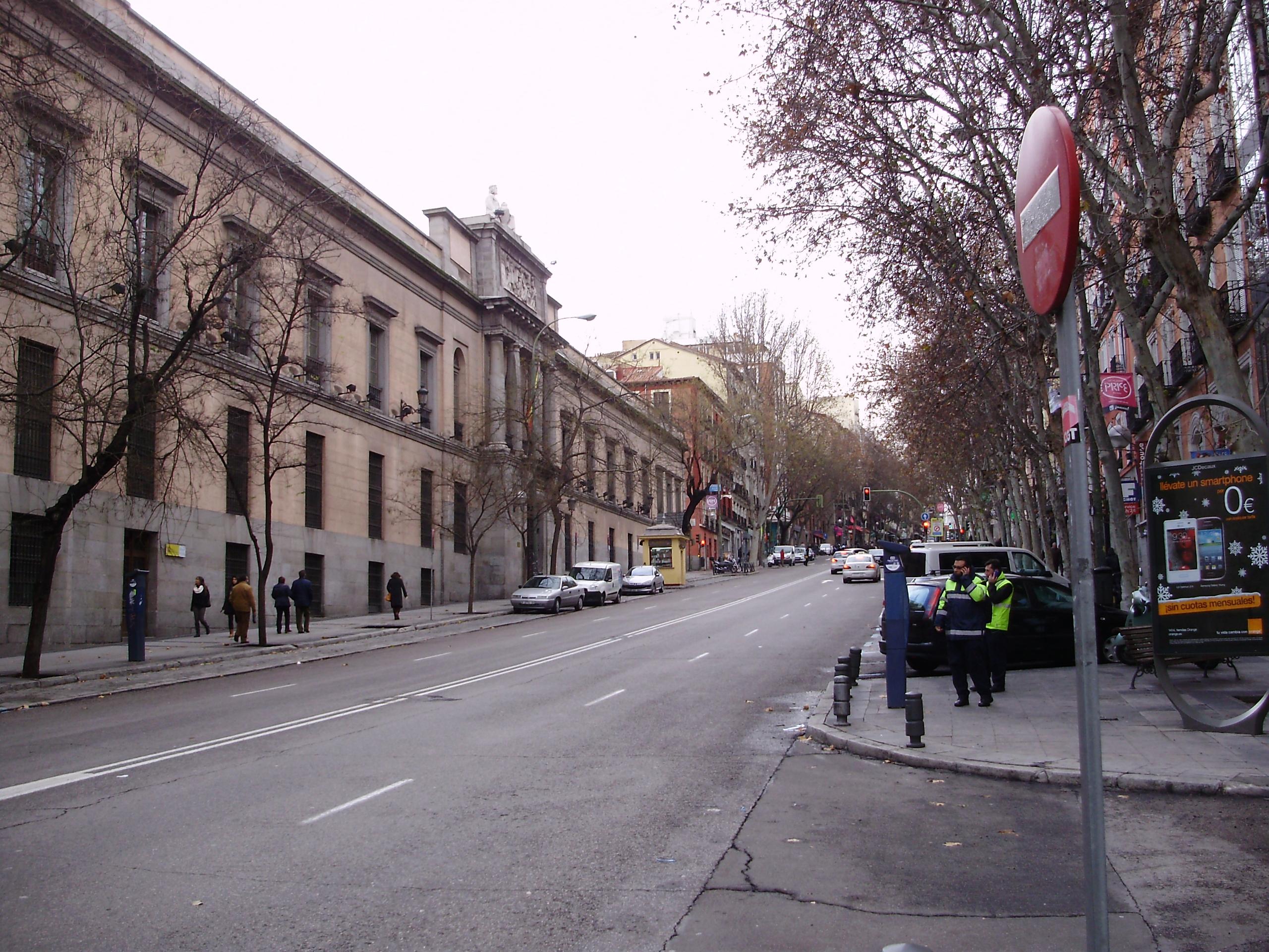 Archivo view of calle de atocha wikipedia - H m calle orense madrid ...