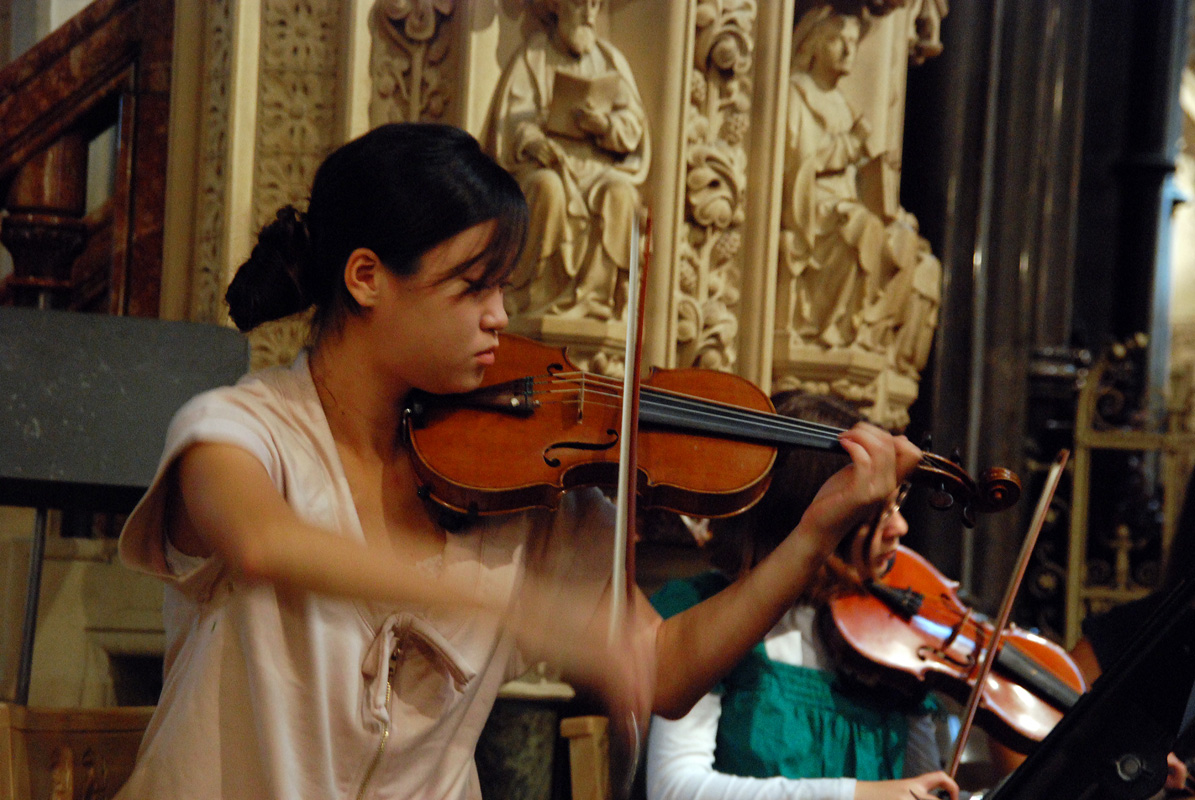 File:Violinista.jpg - Wikimedia Commons