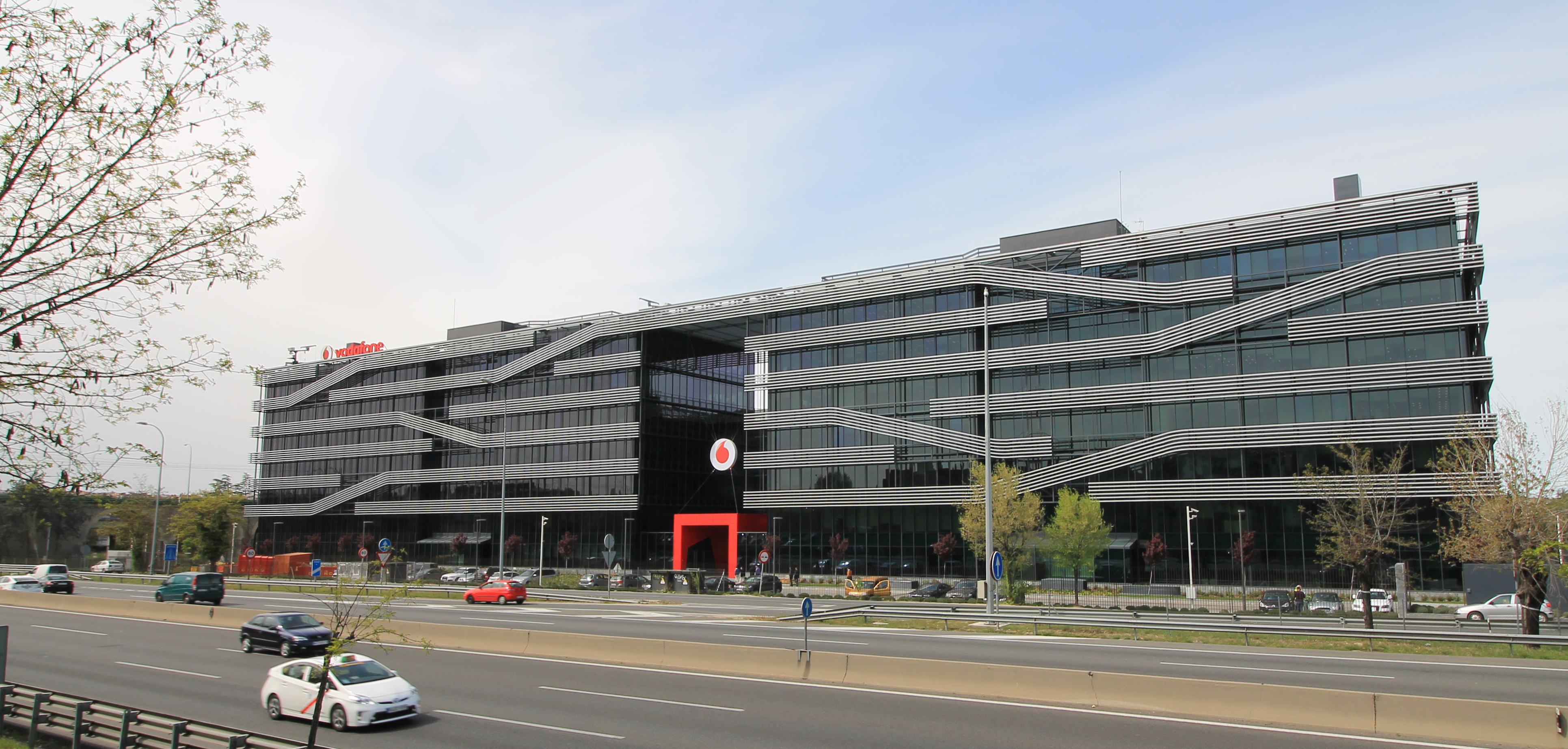 File vodafone offices av am rica 115 madrid - Oficinas vodafone madrid ...