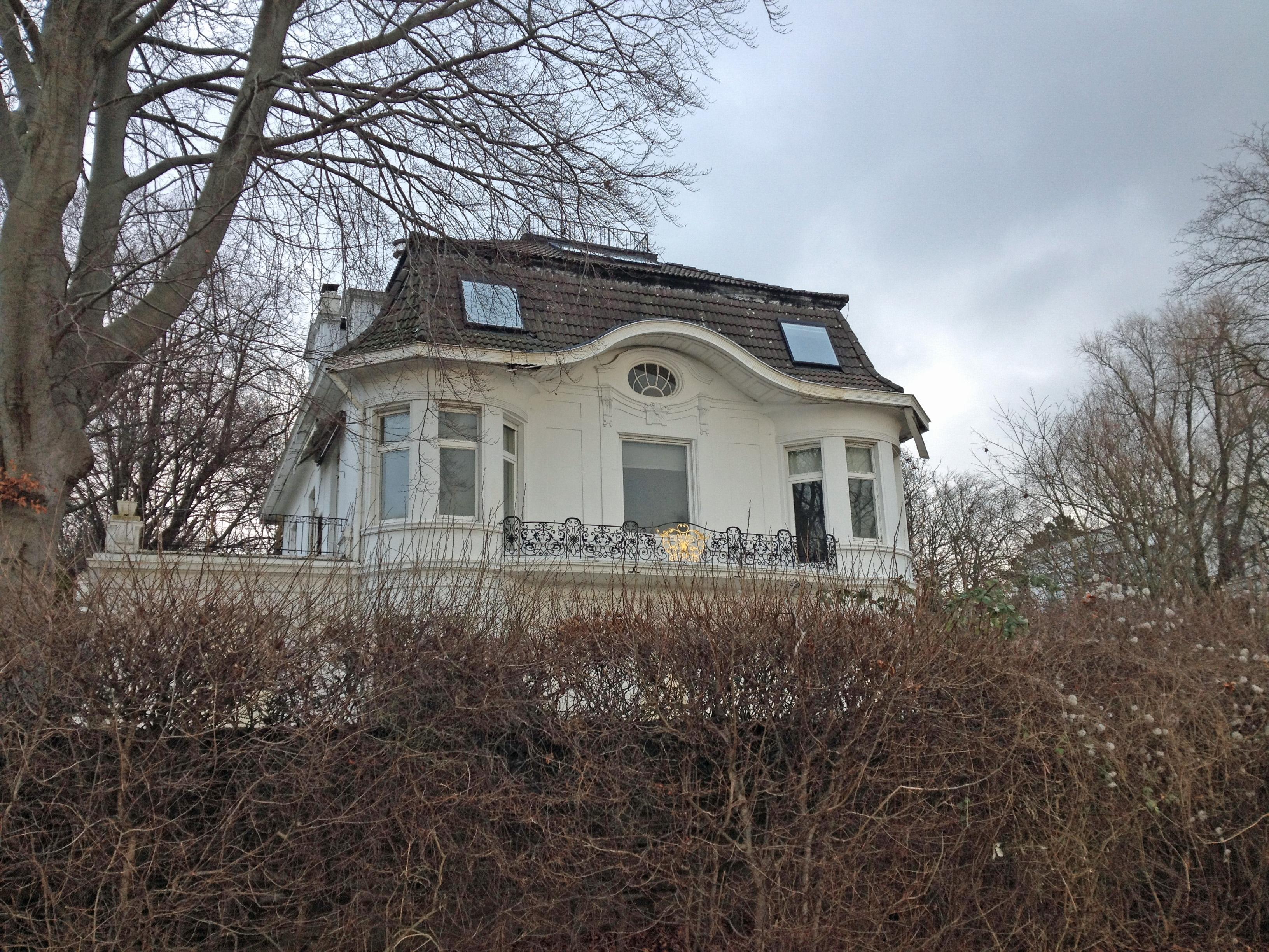 File Weisses Haus NHH2 JPG Wikimedia mons