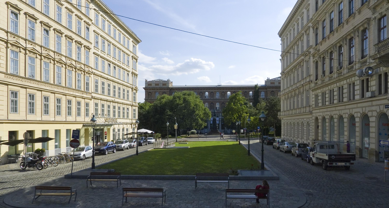 Wien 01 Robert-Stolz-Platz a.jpg