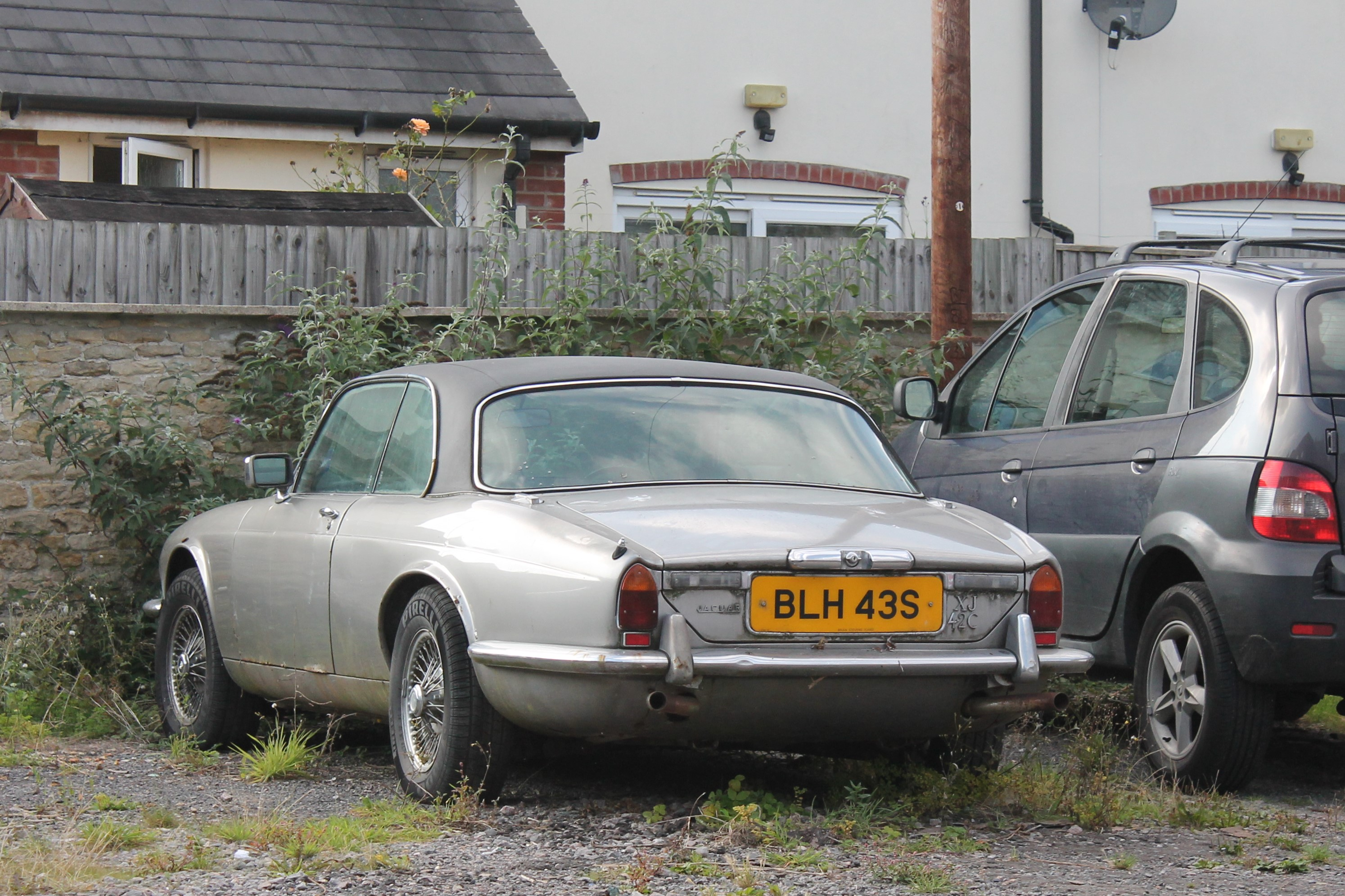 File:1977 Jaguar XJ Coupe 4.2 Auto (15257212971)