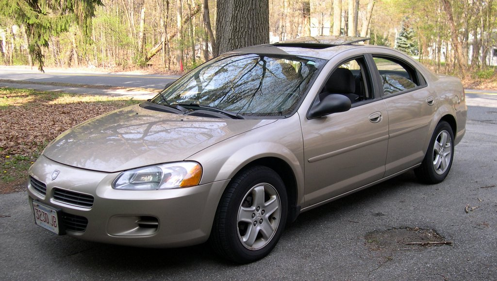 File:2002 Dodge Stratus.jpg - Wikimedia Commons