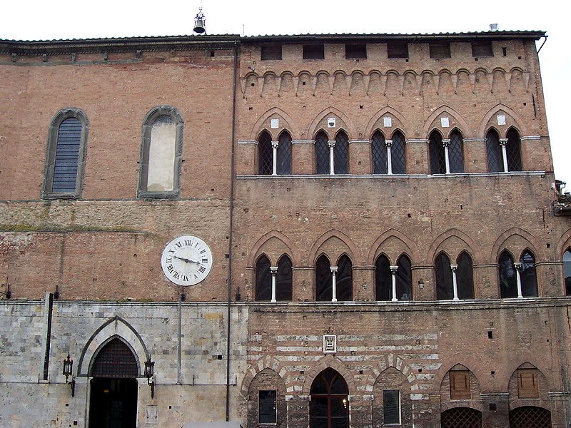 Spedale di Santa Maria della Scala (facciata)