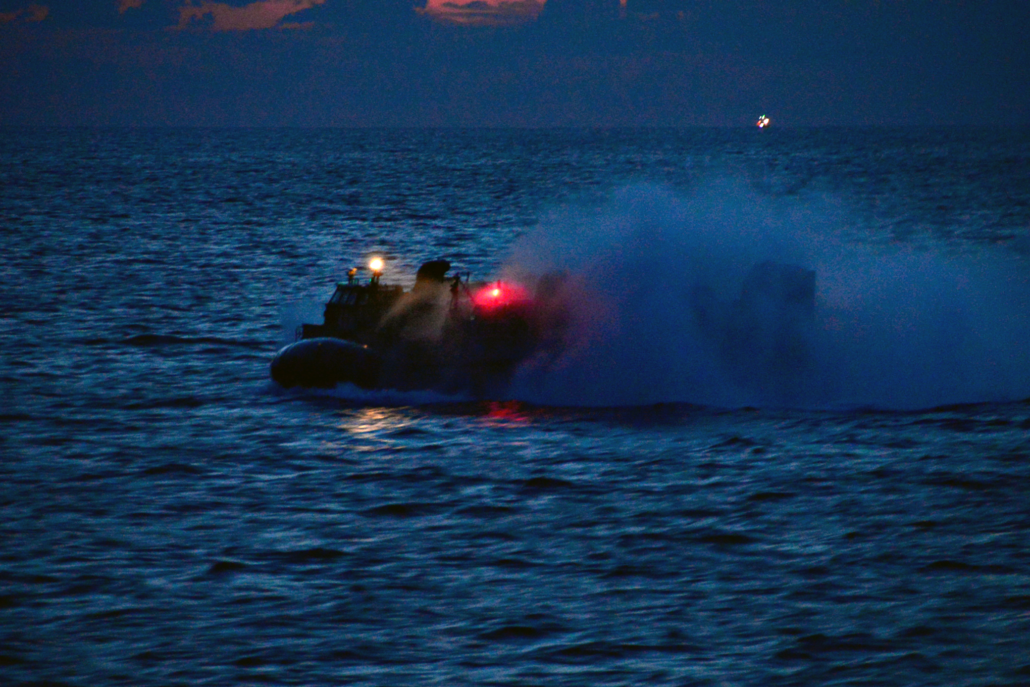 U.S Navy • LCAC Night Operations • Oct 09 2020