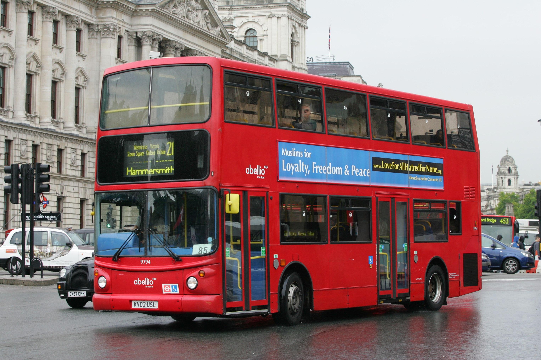 bus 9794  KV02 USL  2002 Transbus Trident 2 Transbus ALX400 route 211 06u7rkeG