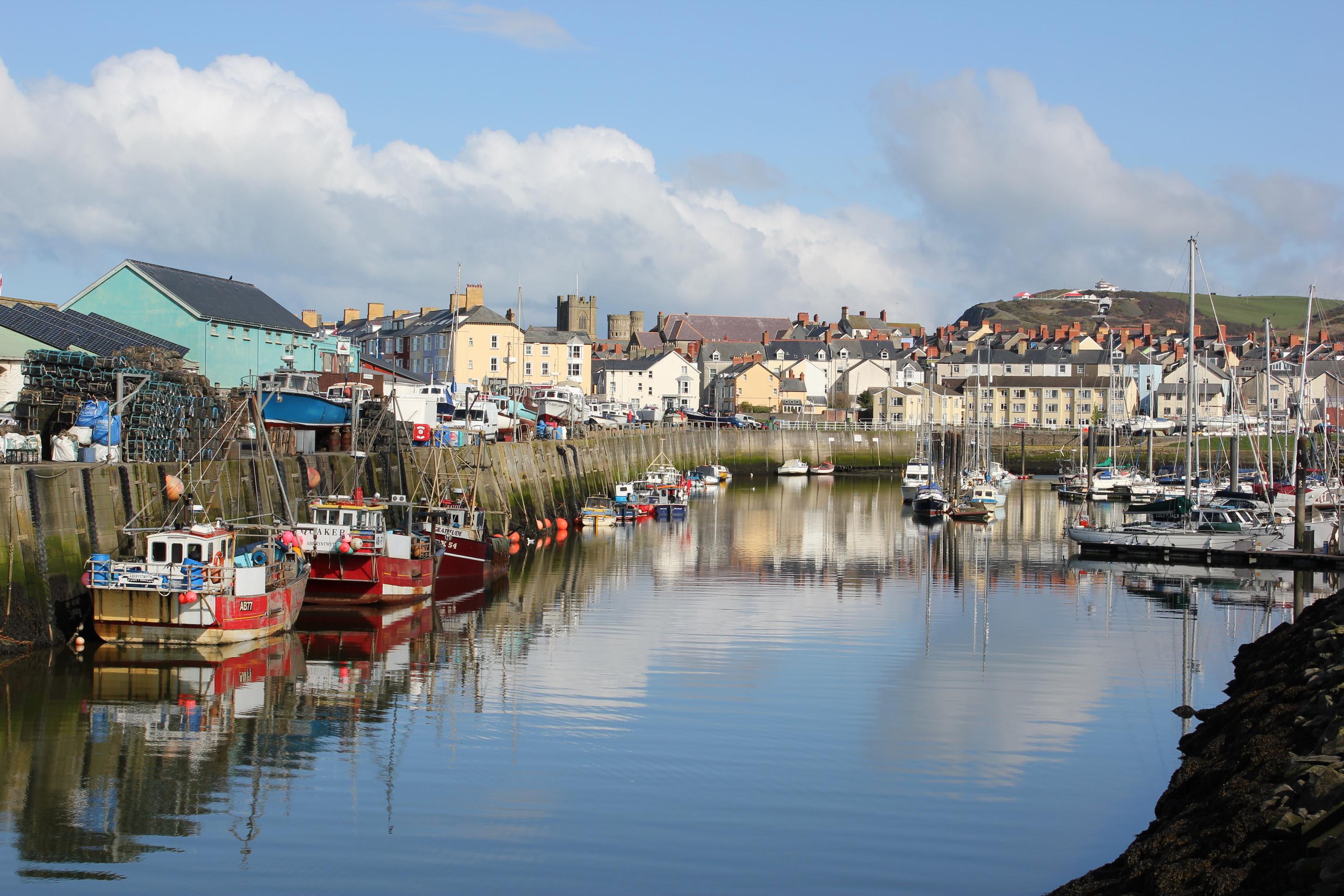 File:Aberystwyth Hafen.JPG - Wikimedia Commons