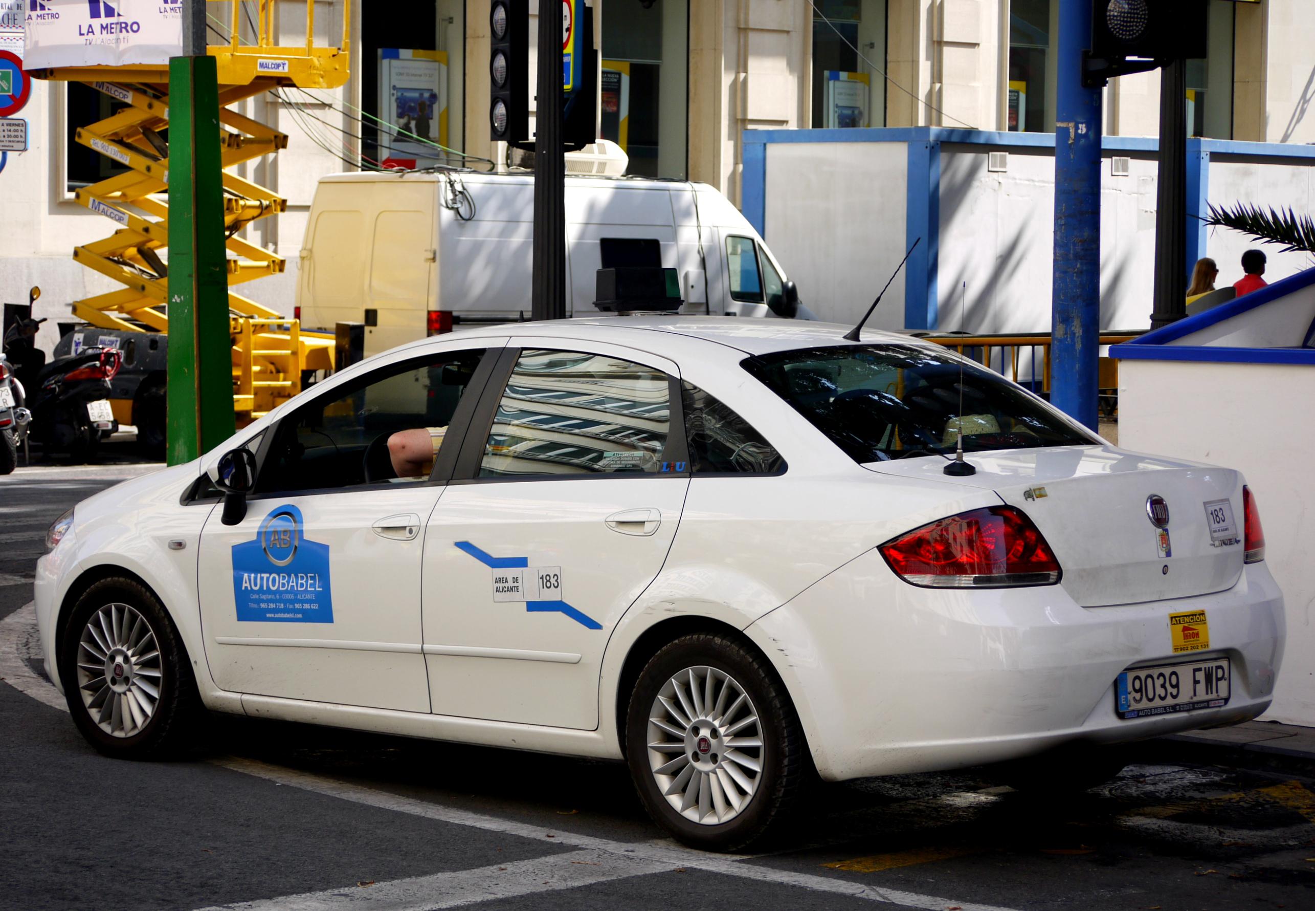 drive linea t abarth review revew cc jet punto test evo fiat com automobilians