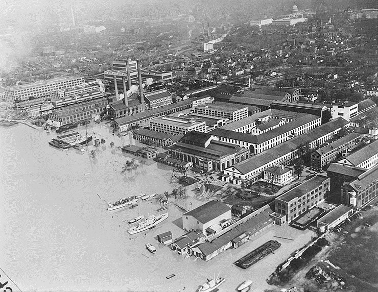 Anacostia River 1936 flood.jpg