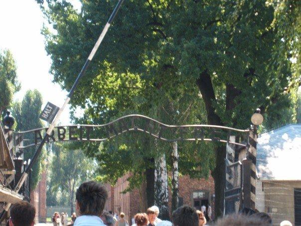 File:Auschwitz4.jpg