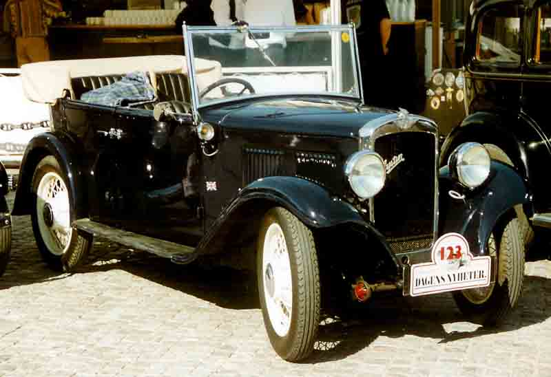 Austin_10_4_Open_Road_Tourer_1933.jpg