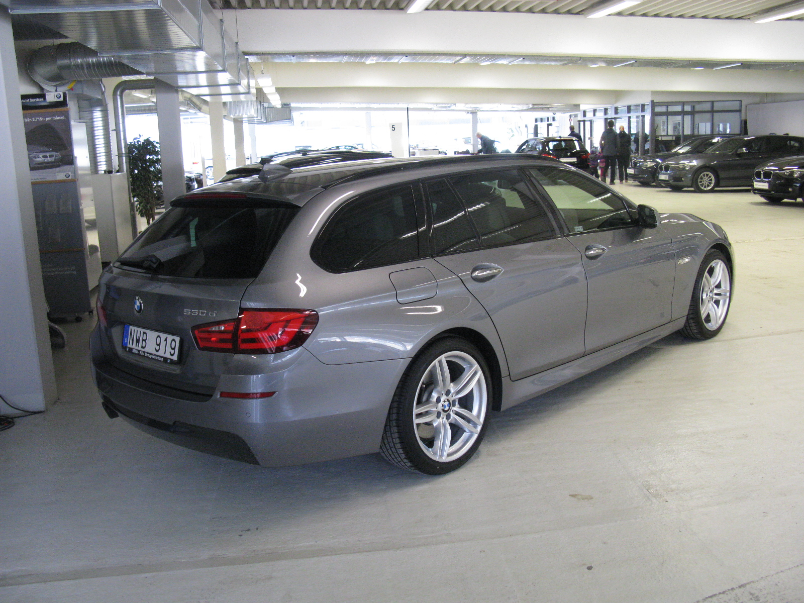 file bmw 530d touring m sport f11 8625055149 jpg wikimedia commons. Black Bedroom Furniture Sets. Home Design Ideas