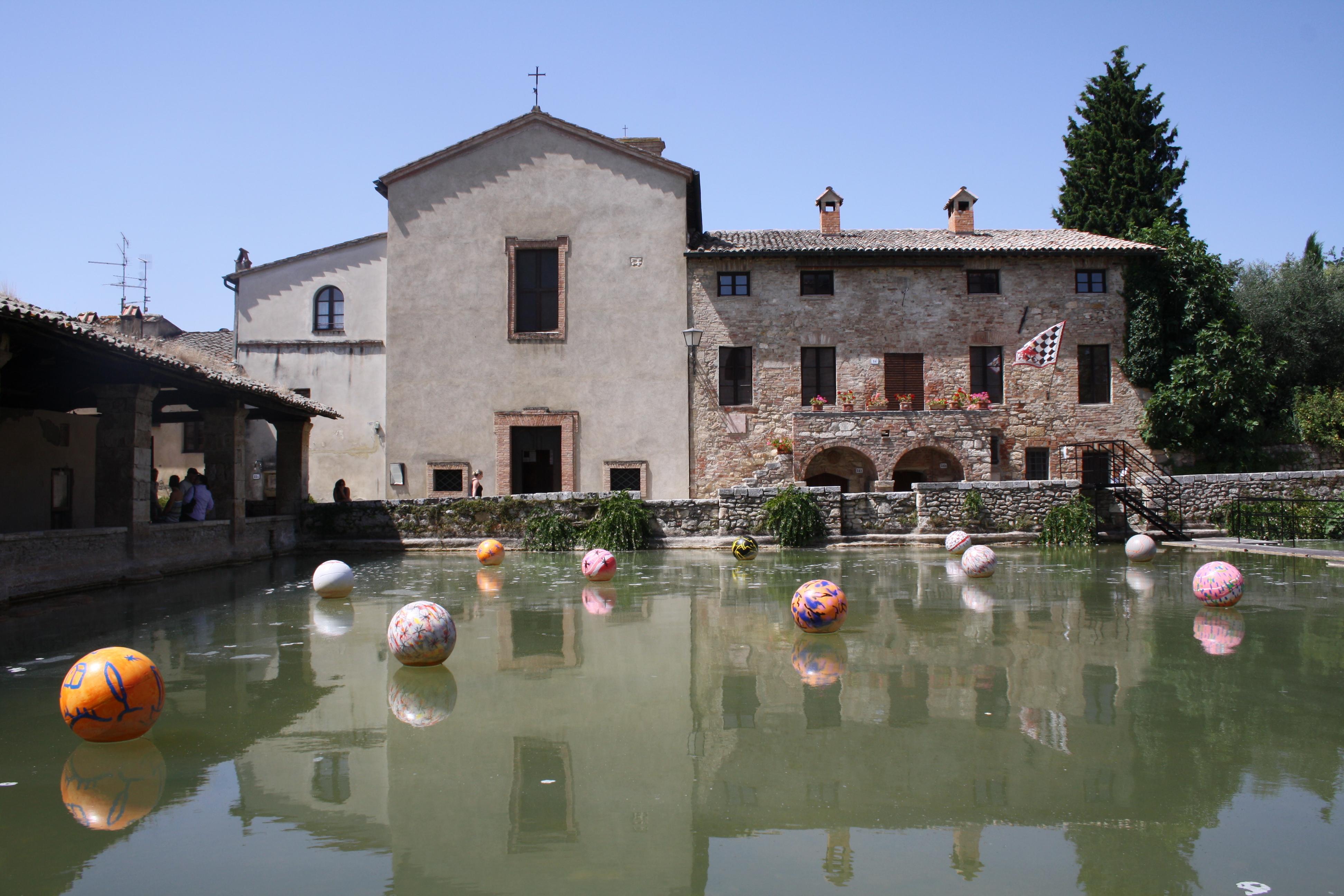 bagno vignoni best italian hill town