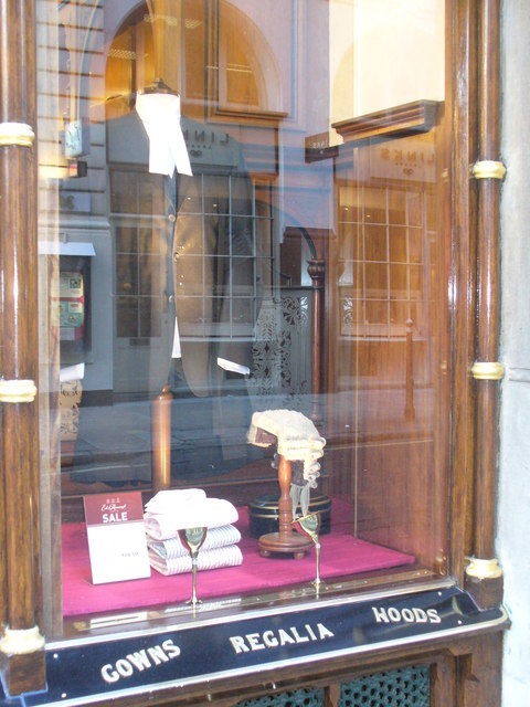 File:Barrister\'s wig and gown, Ede & Ravenscroft shop, Chancery Lane ...