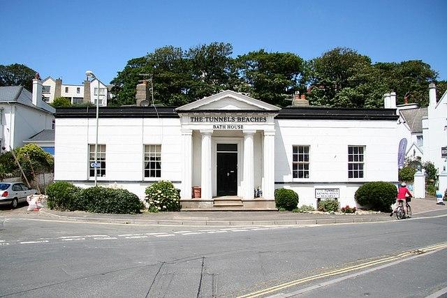 File:Bath House - geograph.org.uk - 873730.jpg