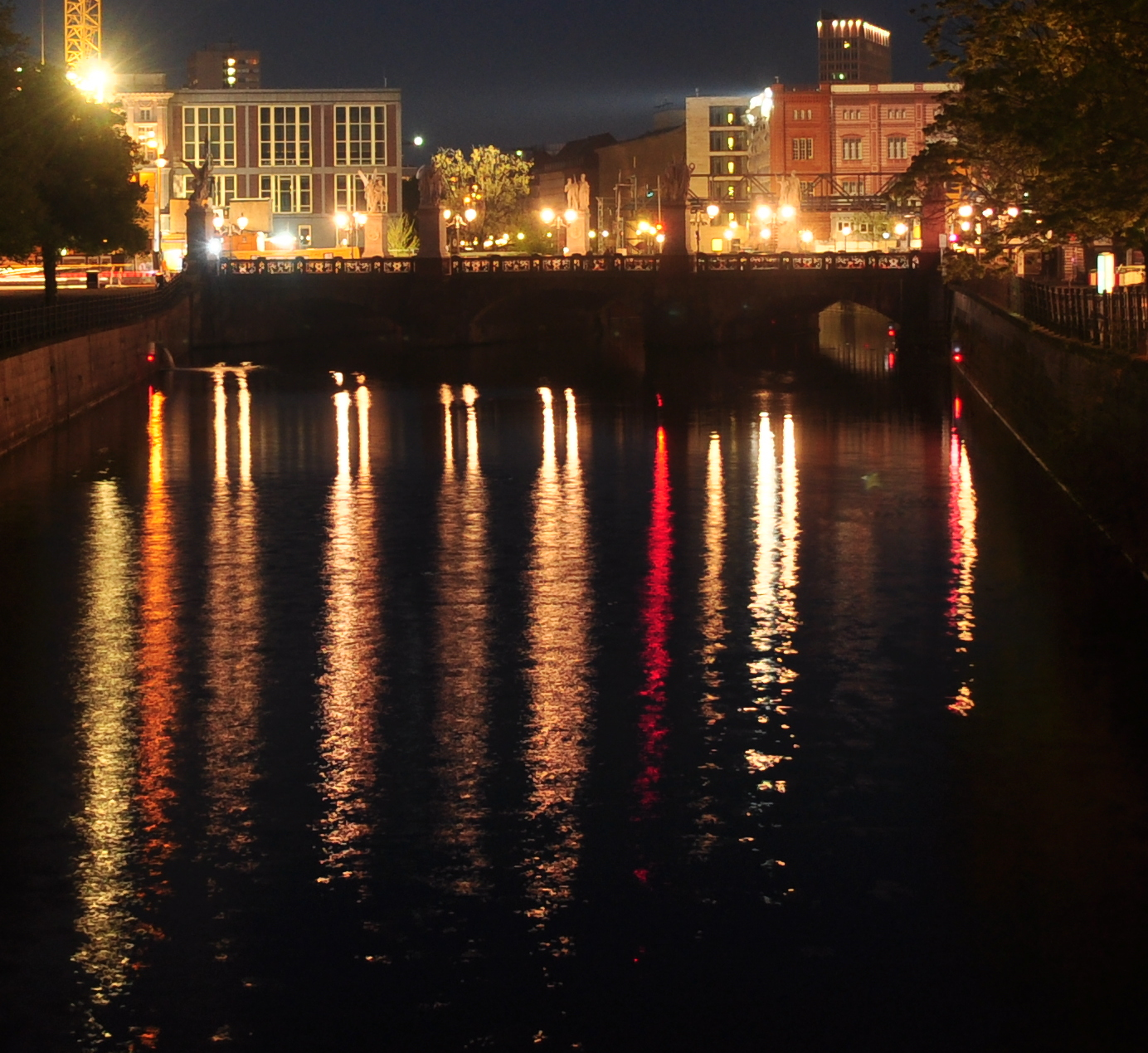 Schlossbrücke (Palace Bridge), Berlin-Mitte, from the north, at night.