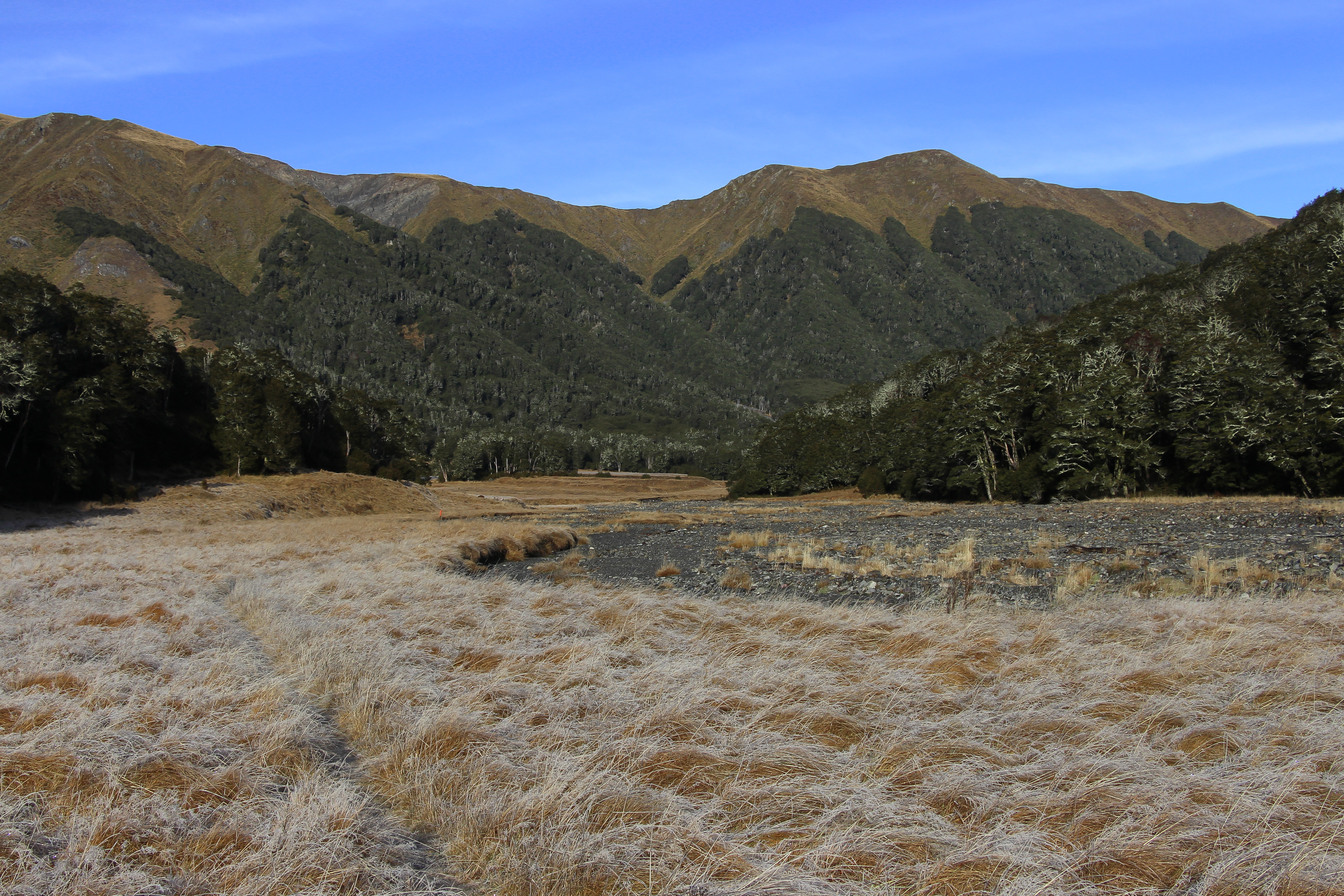 File:Between Anne Hut and Anne Saddle - St James Walkway