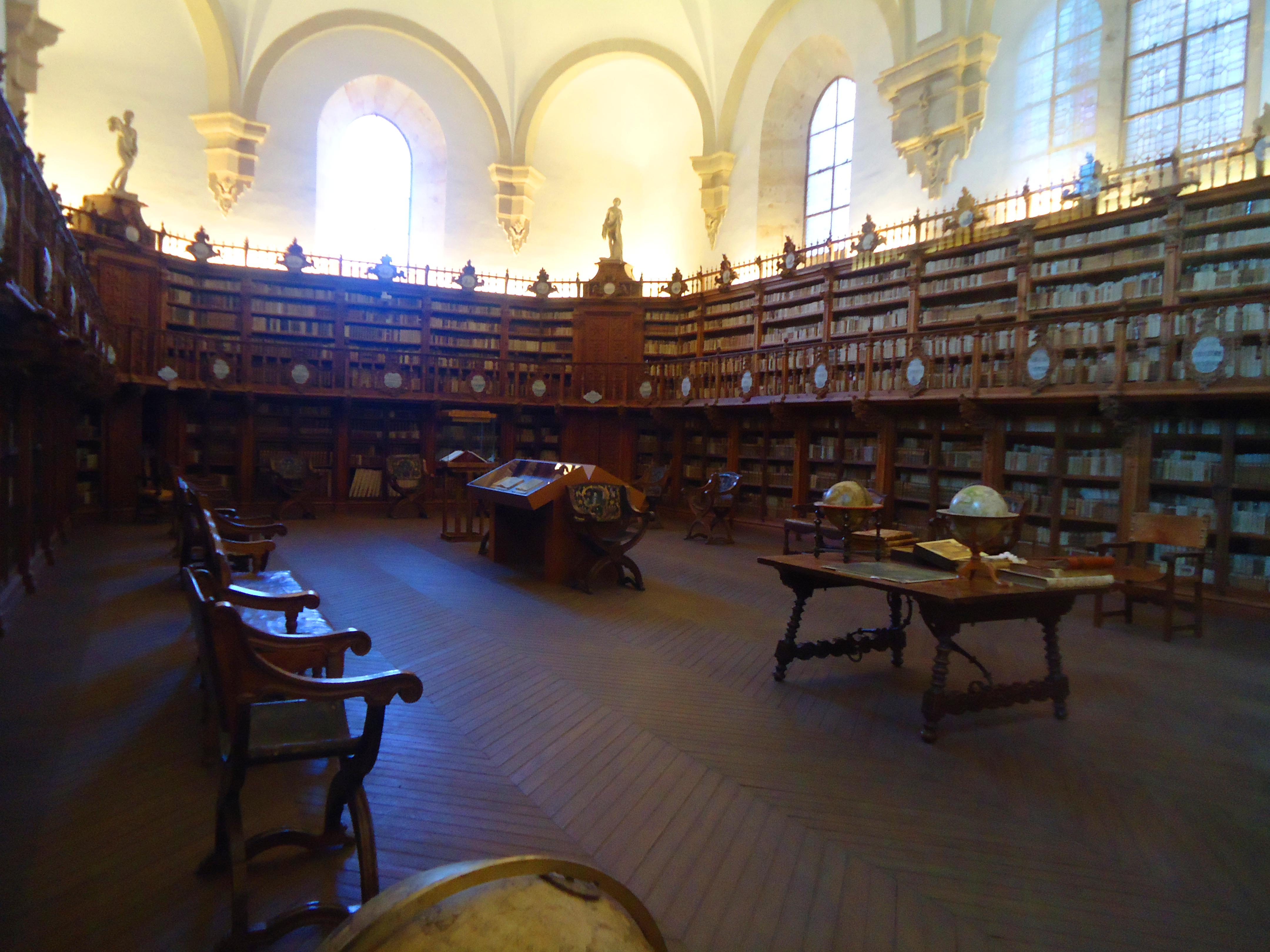 File:Biblioteca antigua,Escuelas Mayores, Universidad de ... - photo#39