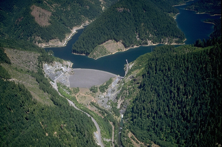 File:Blue River Dam jpg - Wikimedia Commons