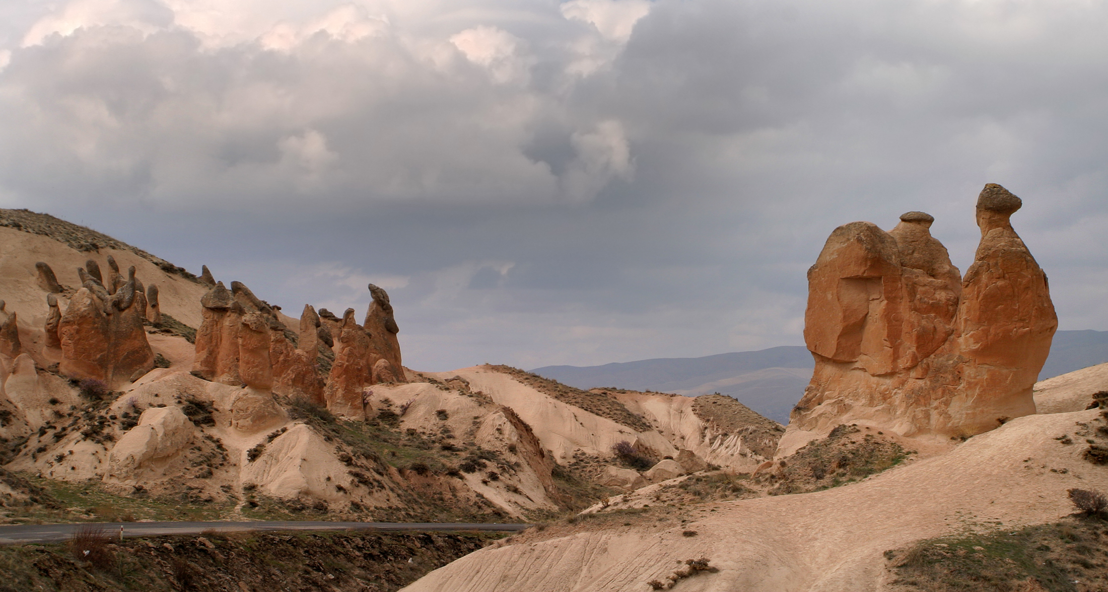File:Camel rock in Cappadocia.jpg - Wikimedia Commons