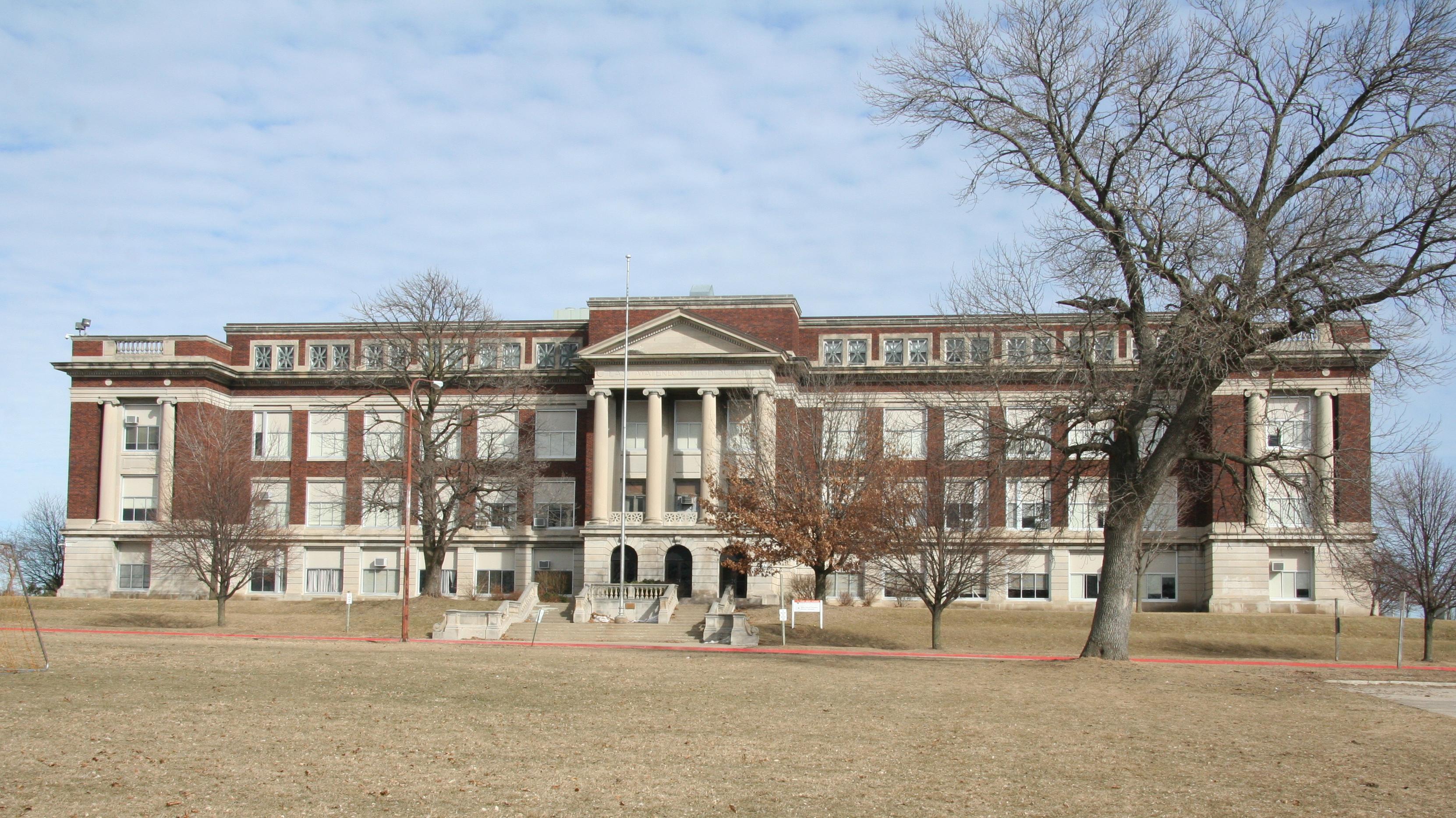 Waterloo East High School - Wikipedia