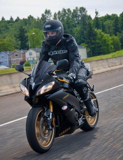 Yamaha R Black And Gold Wallpaper
