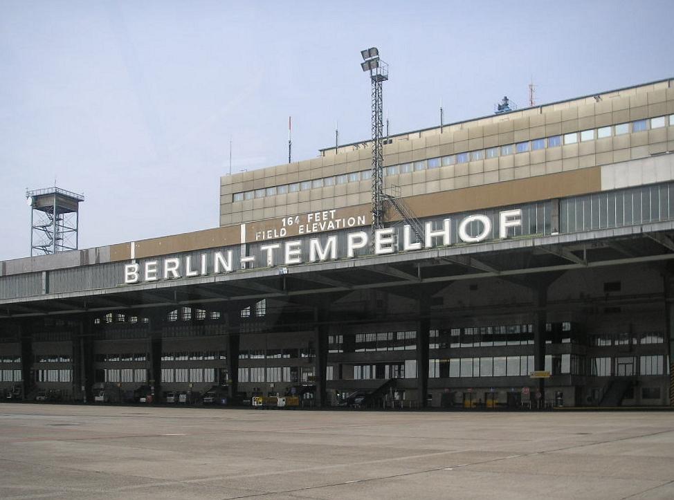 berlin flughafen tempelhof wird geschlossen wikinews die freie nachrichtenquelle. Black Bedroom Furniture Sets. Home Design Ideas