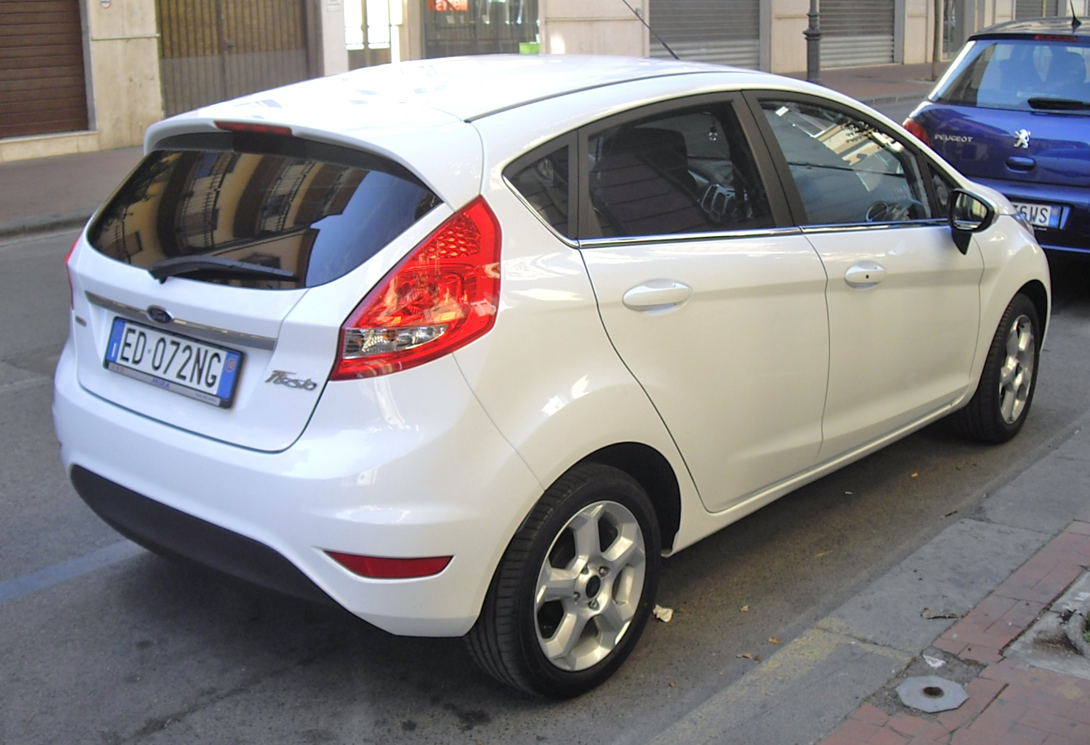file ford fiesta 1 4 tdci rear jpg wikimedia commons