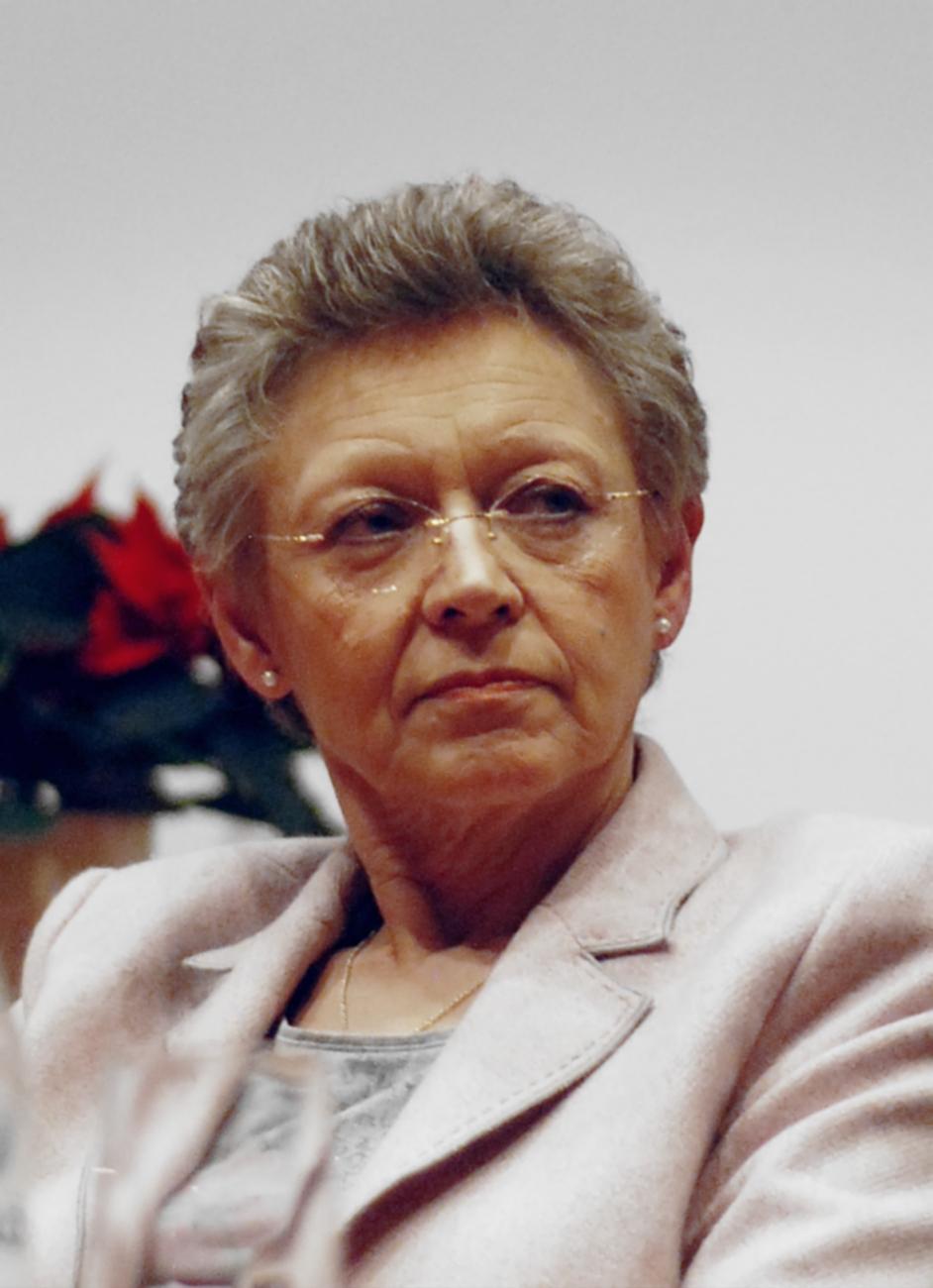 Luc Montagnier en 1995 et Françoise Barré-Sinoussi en 2008.
