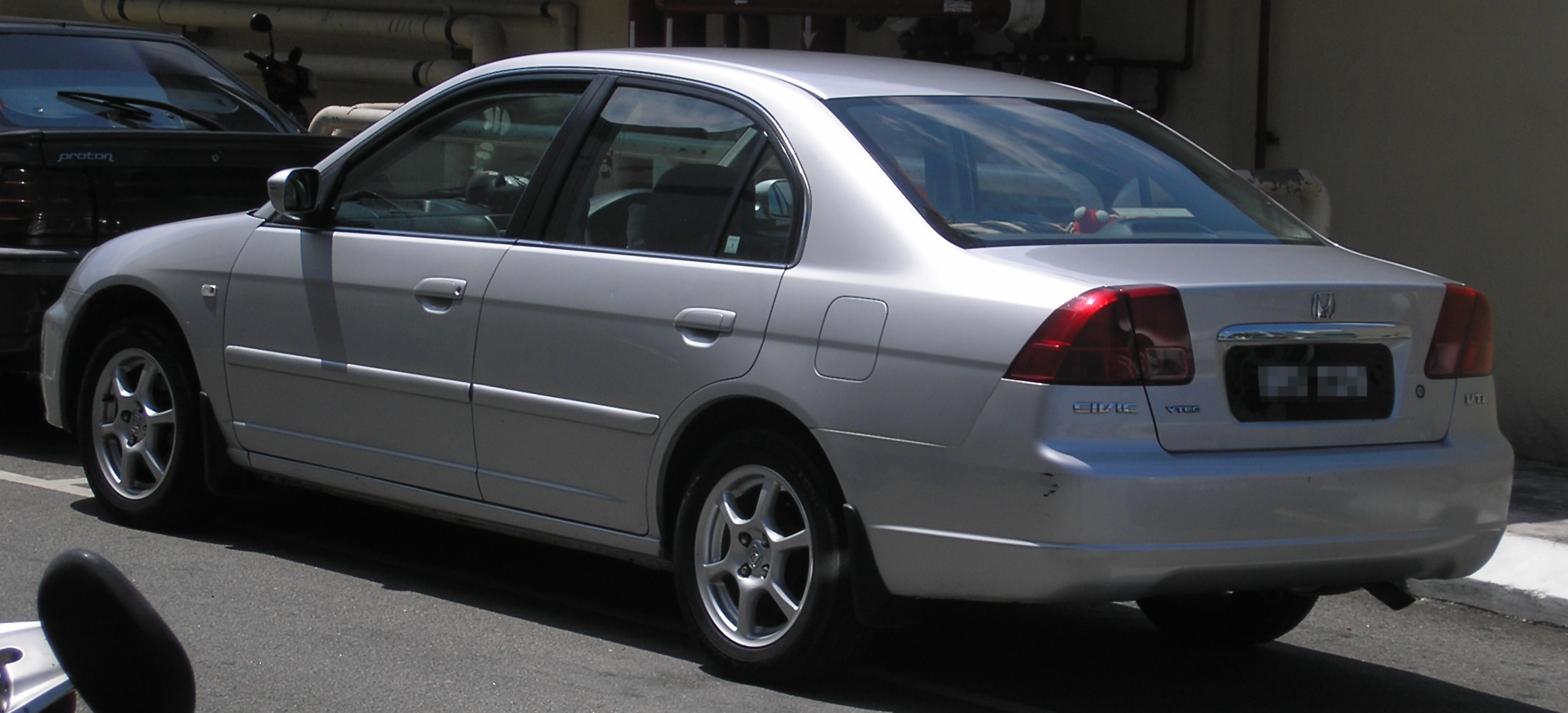 File:Honda Civic (seventh generation) (rear), Serdang.jpg ...