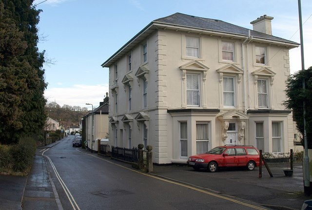 File:House on Plymouth Road, Buckfastleigh - geograph.org.uk - 1123424.jpg