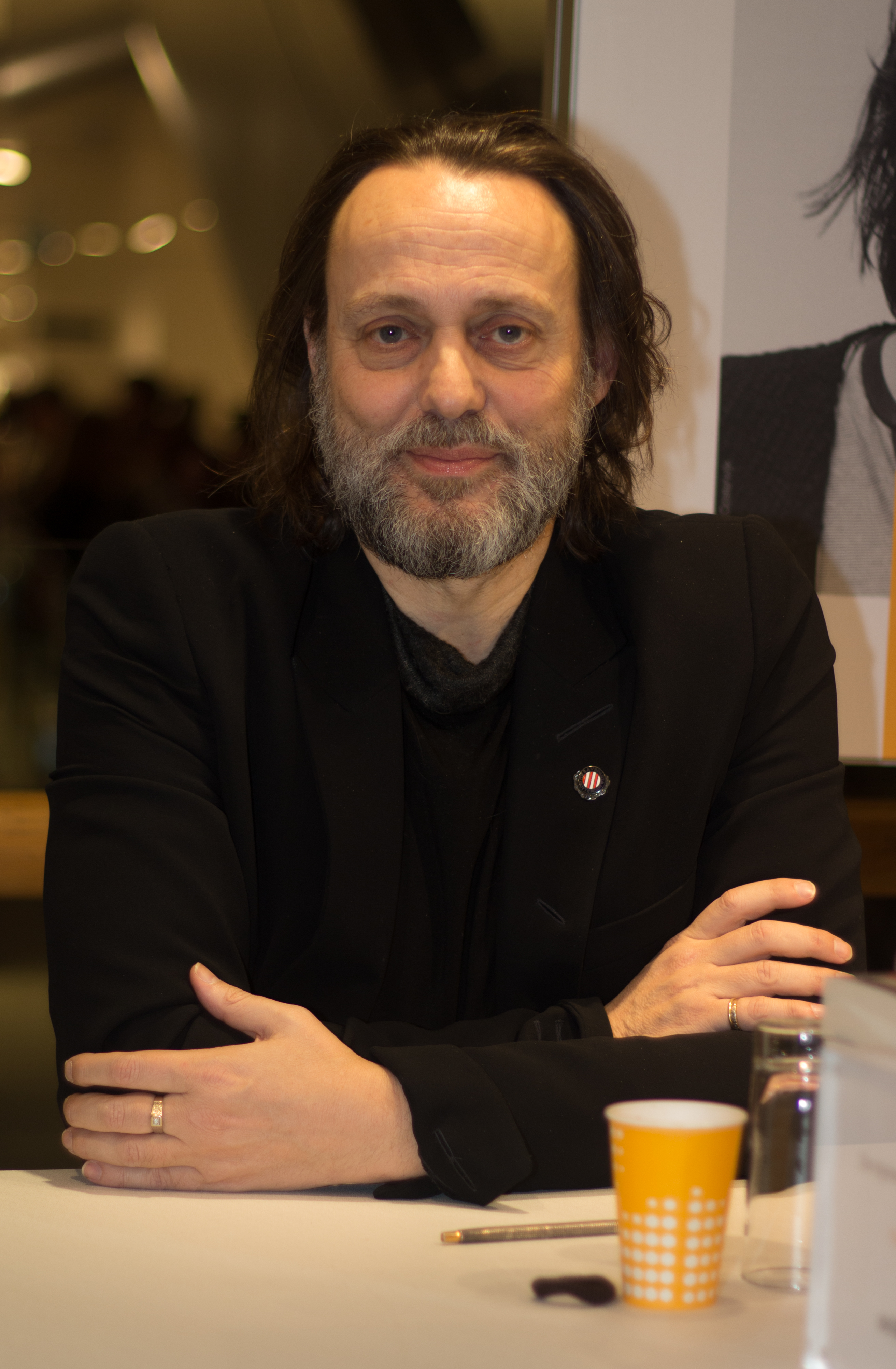 The 57-year old son of father (?) and mother(?) Hugo Borst in 2018 photo. Hugo Borst earned a  million dollar salary - leaving the net worth at 0.8 million in 2018