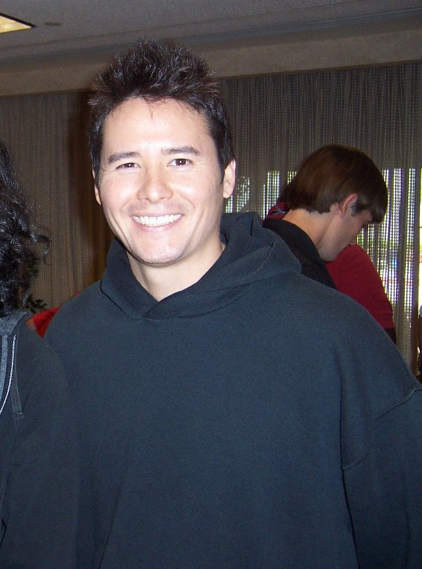 Johnny Yong Bosch - Wikipedia