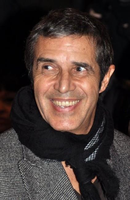 Julien Clerc à l'avant-première du film Carnage - Source : Wikimedia Commons.