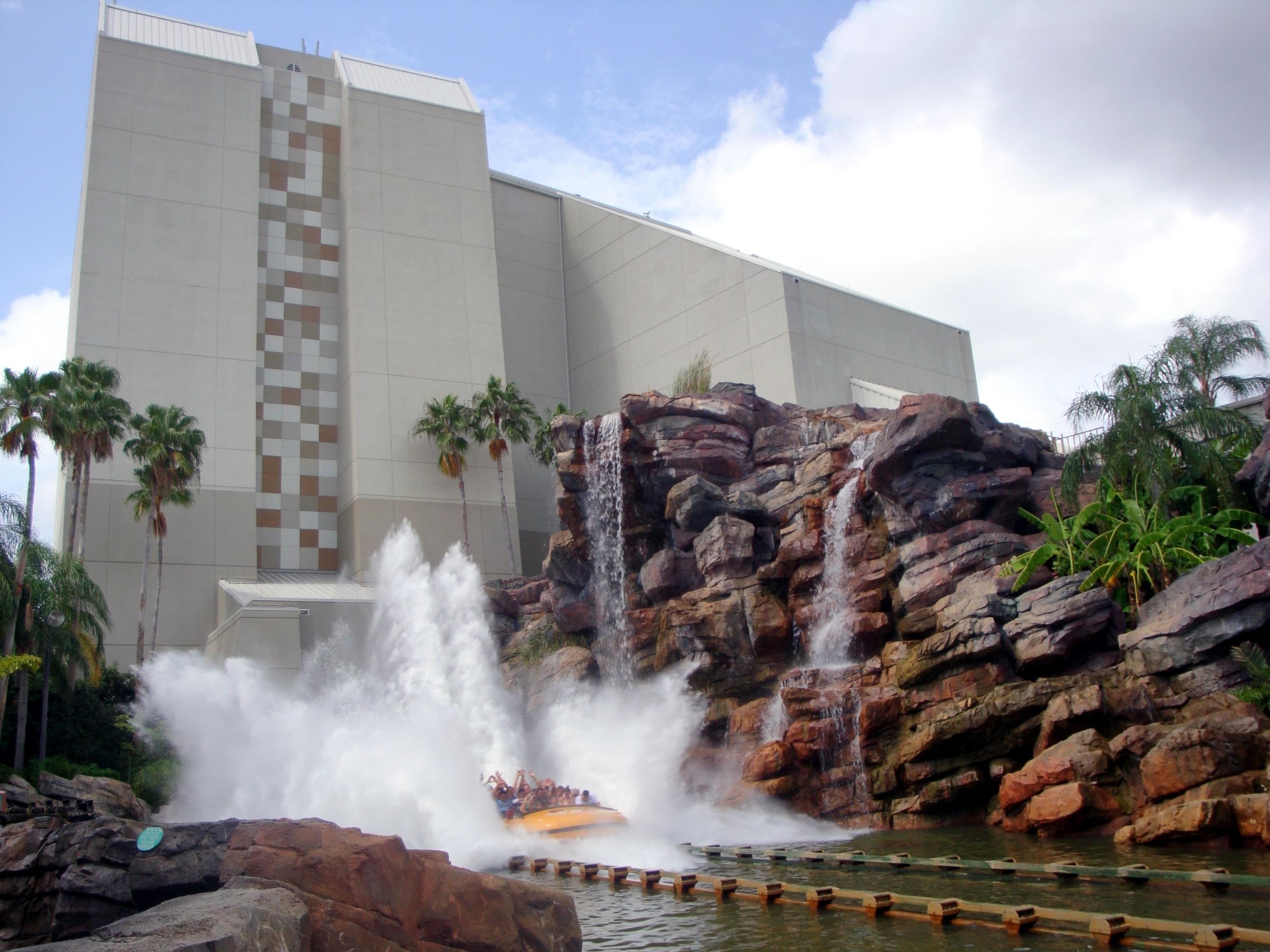 File:Jurassic park log flume ride.jpg - Wikimedia Commons
