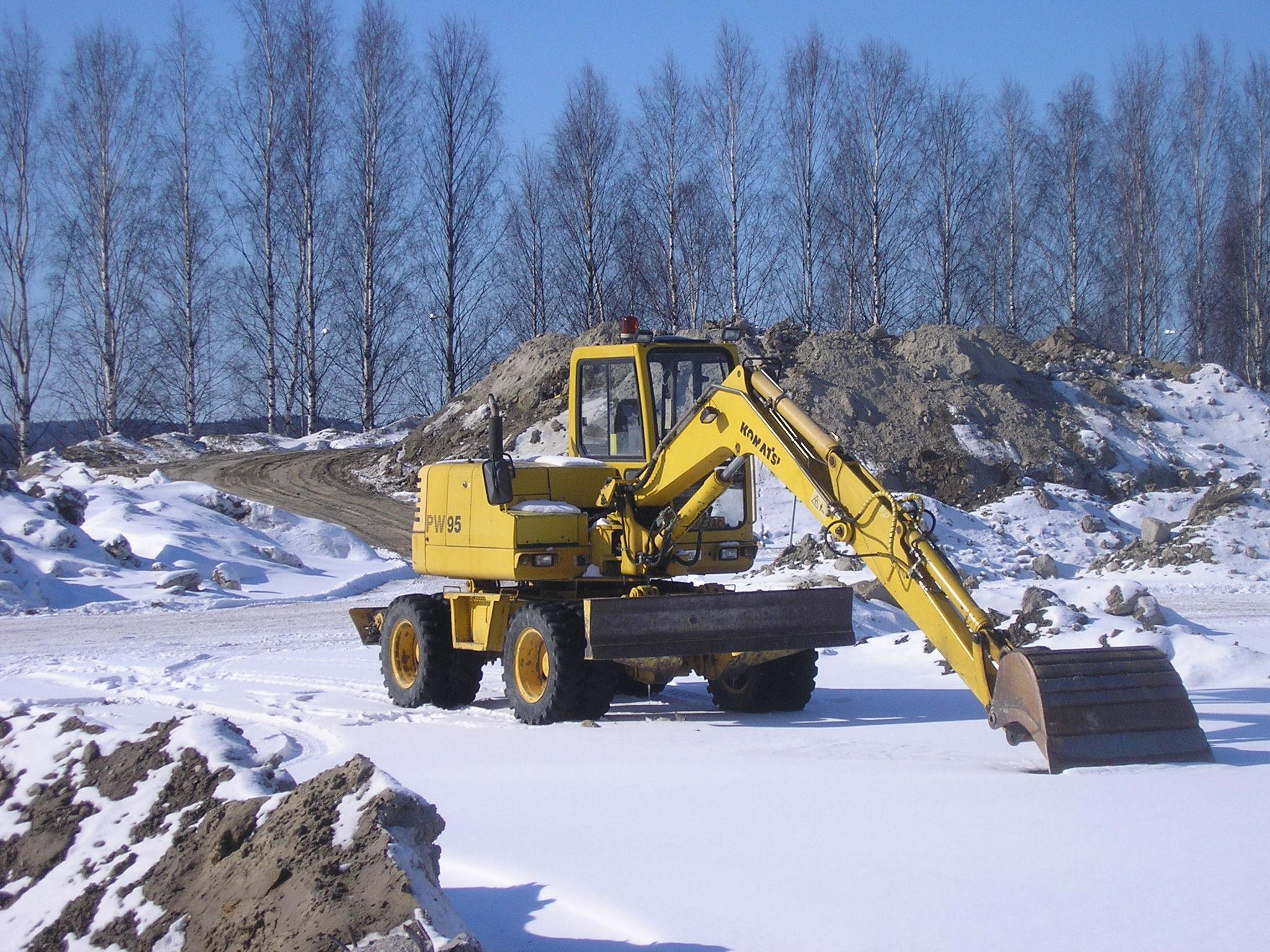 File:Komatsu excavator in Jyväskylä JPG - Wikimedia Commons
