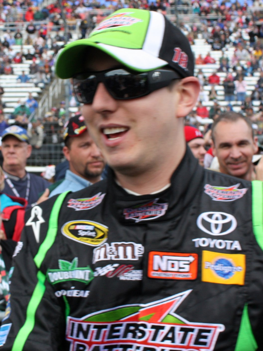 File kyle busch april 19 2010 cropped jpg wikimedia commons - Pictures of kyle busch s car ...