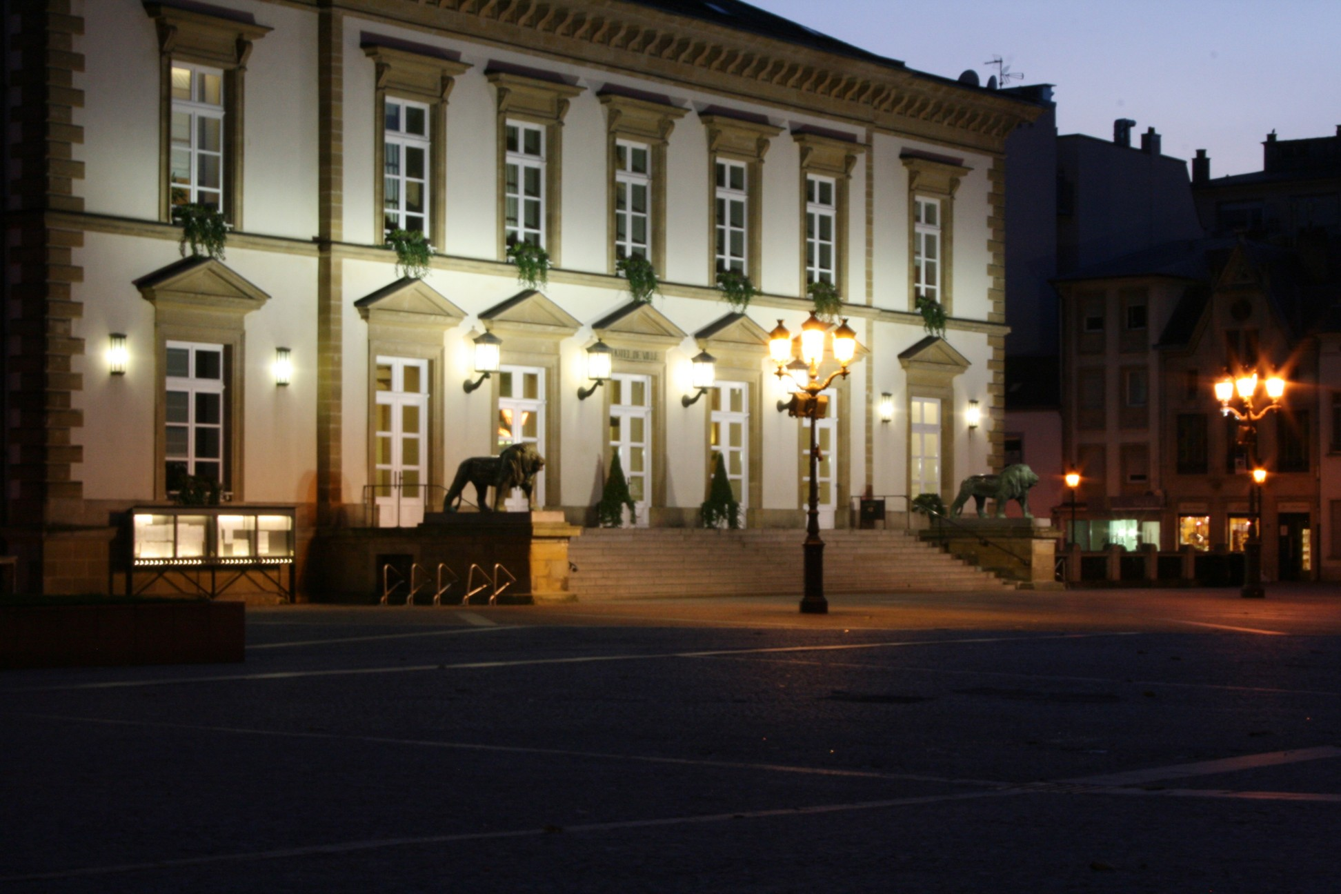 File la mairie de luxembourg wikimedia commons for Piscine luxembourg ville