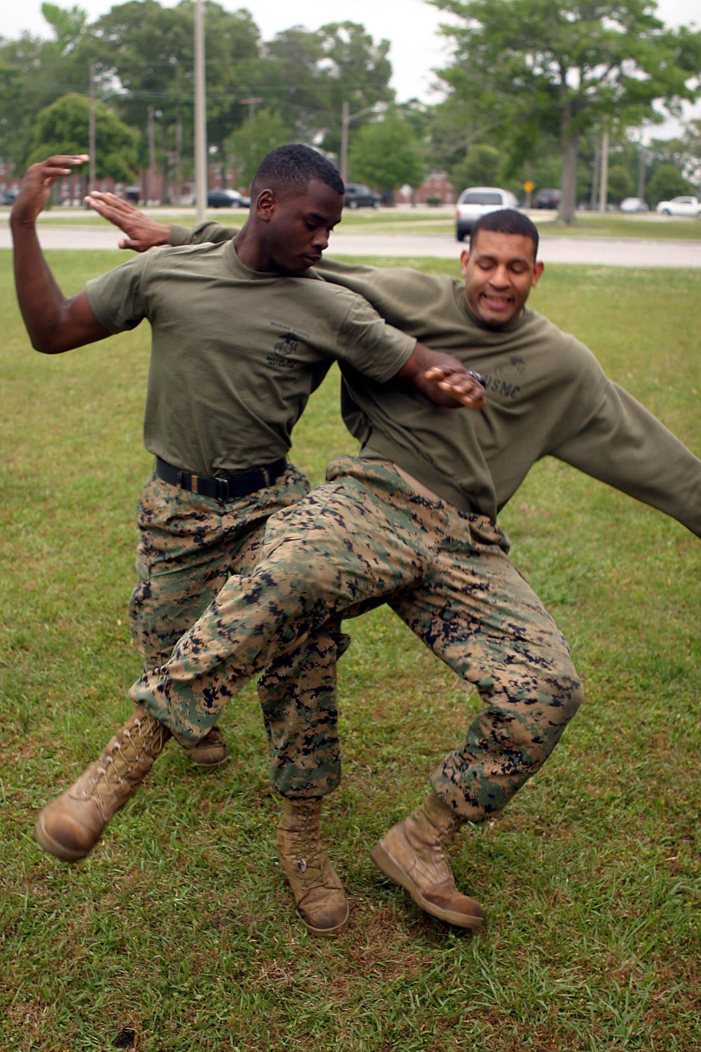 Combate Corpo A Corpo Wikip 233 Dia A Enciclop 233 Dia Livre