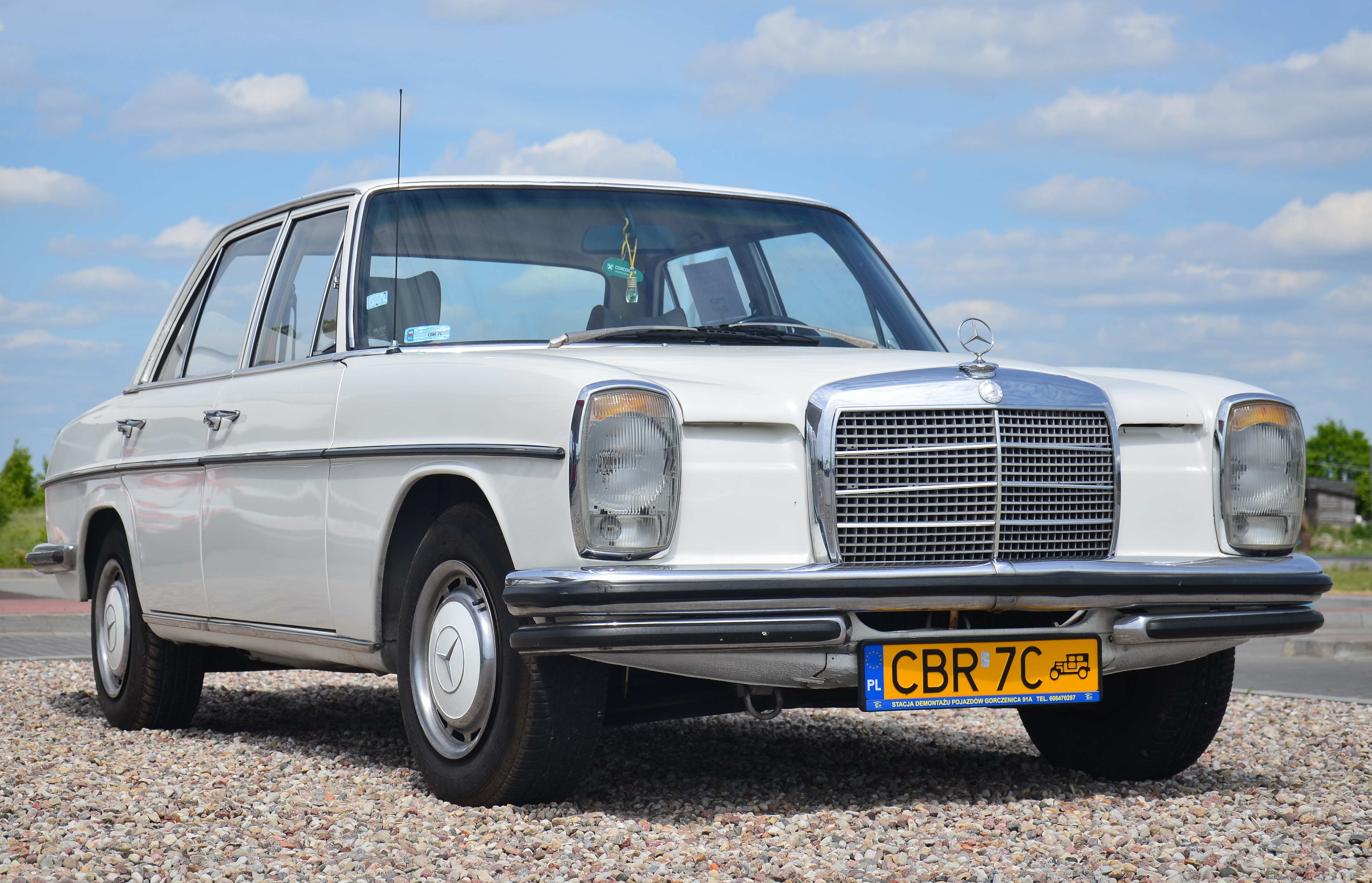 Mercedes Benz W115 220d 1973 4350x2800 Os Carporn