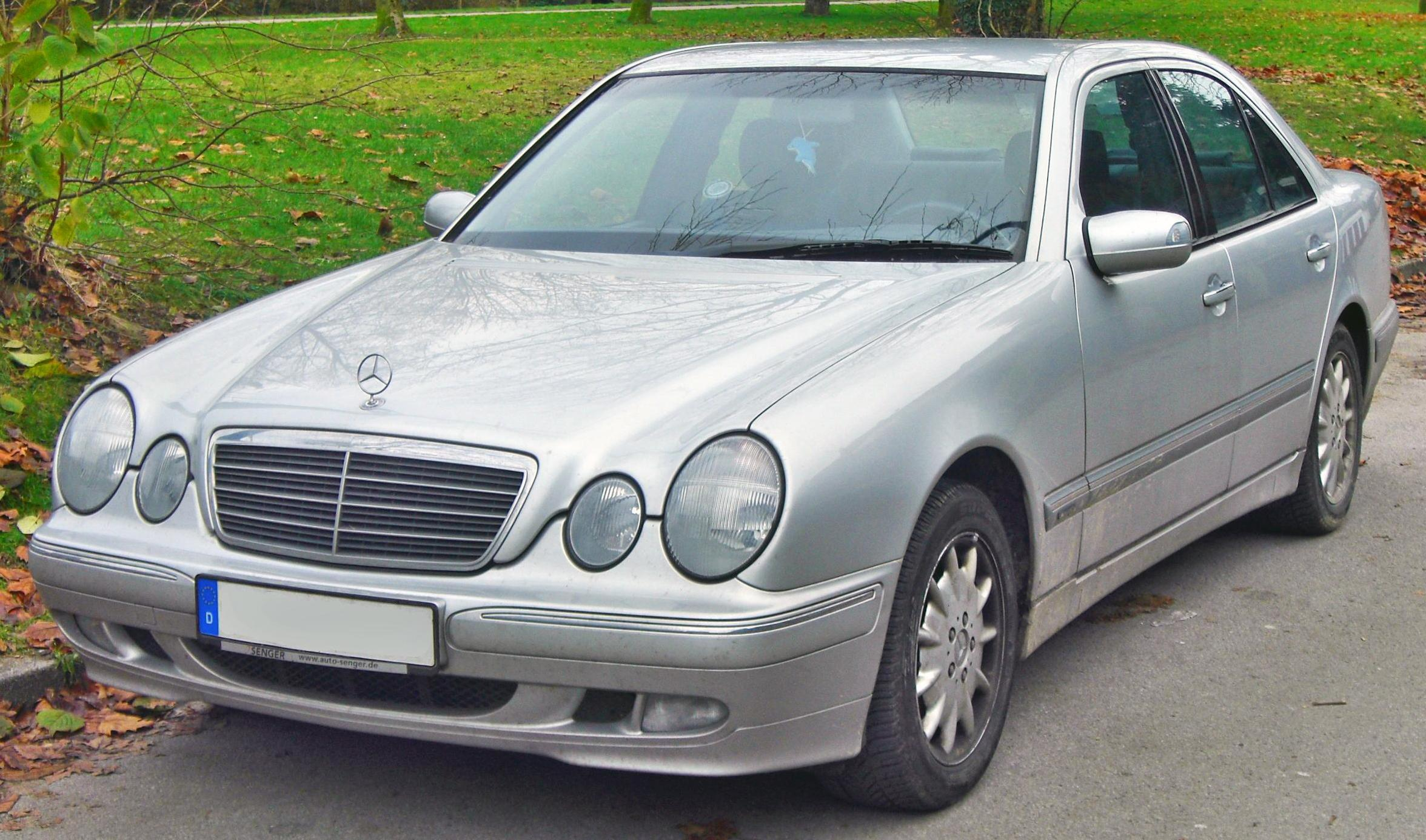 file mercedes e 270 cdi elegance w210 facelift 1999 2002 front mj jpg wikimedia commons. Black Bedroom Furniture Sets. Home Design Ideas