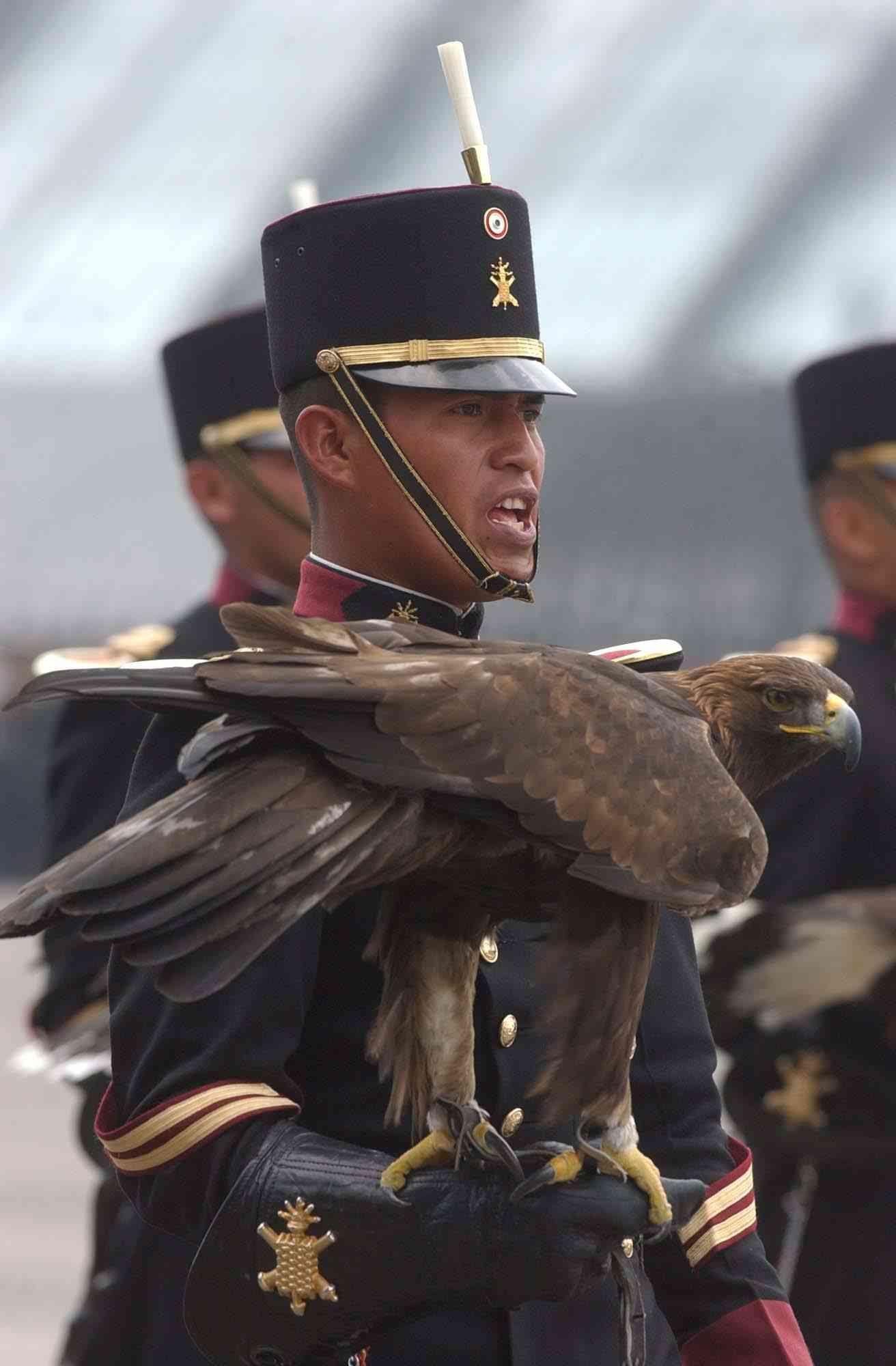 Feliz 101 Aniversario del Ejercito Mexicano Mexican_cadet